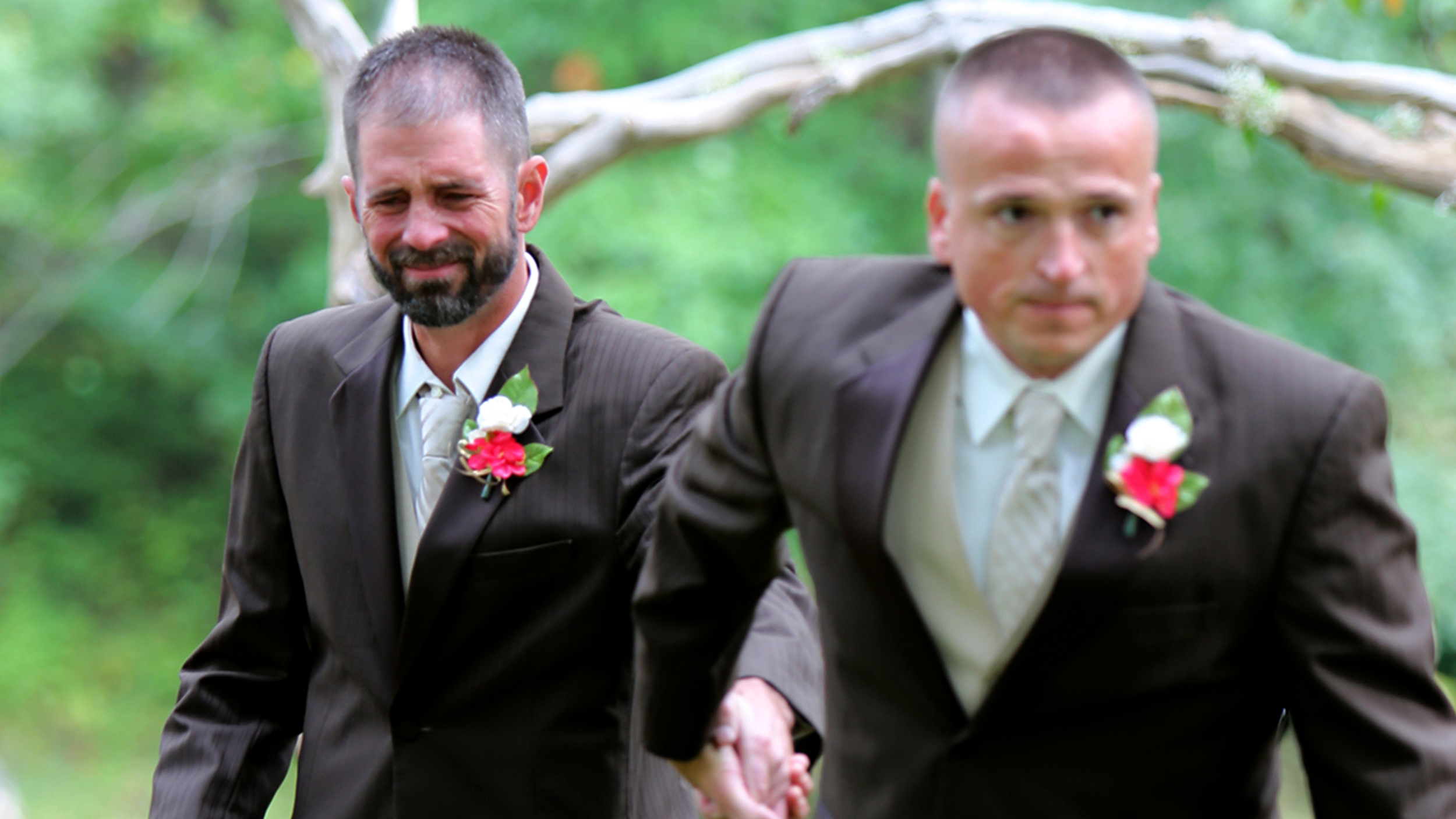 Dad Surprises Stepdad At Daughter S Wedding With Both Walking Bride Down Aisle