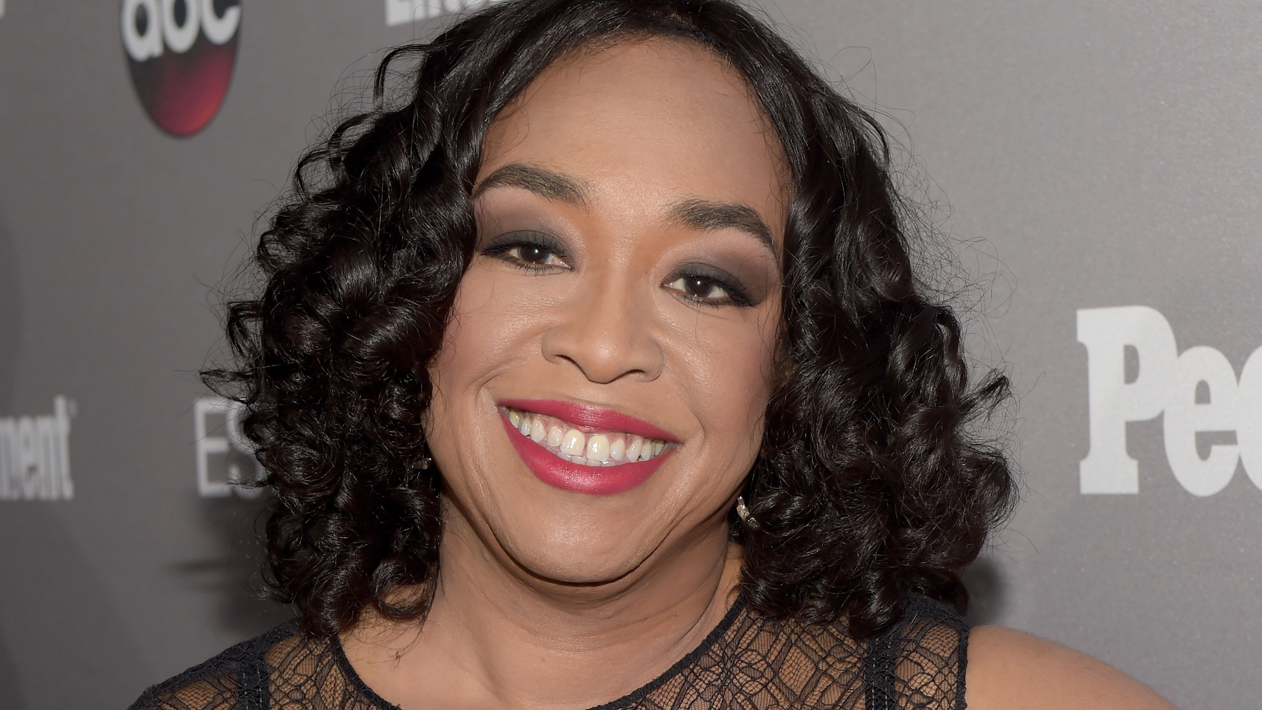 Shonda Rhimes loves her 117-pound weight loss but admits ...