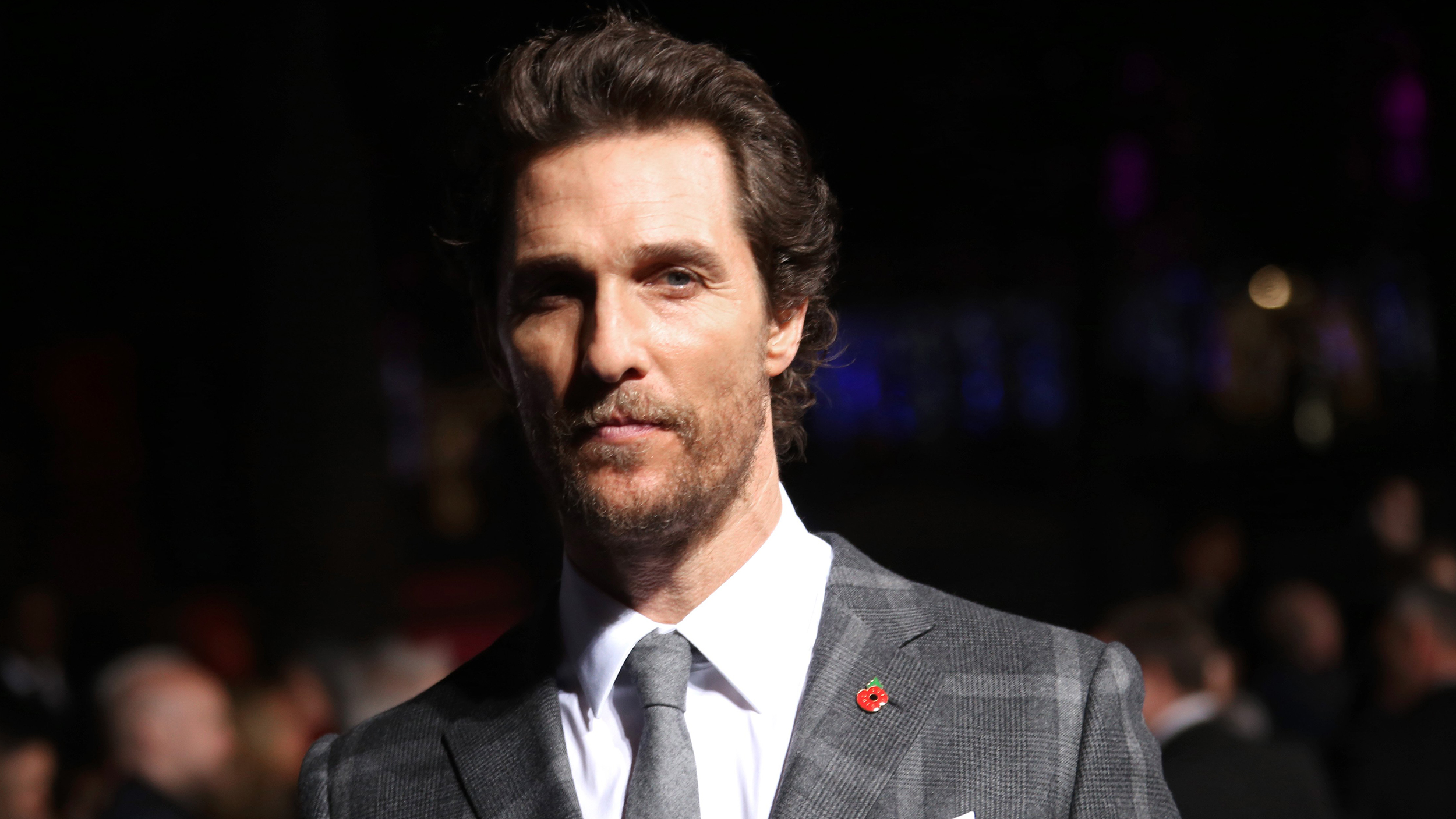 matthew mcconaughey loses his hair and waistline see his