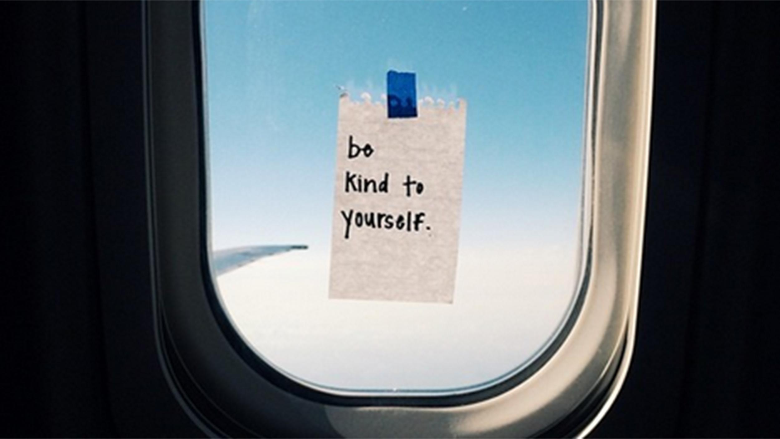american airlines flight attendant posts inspiring notes
