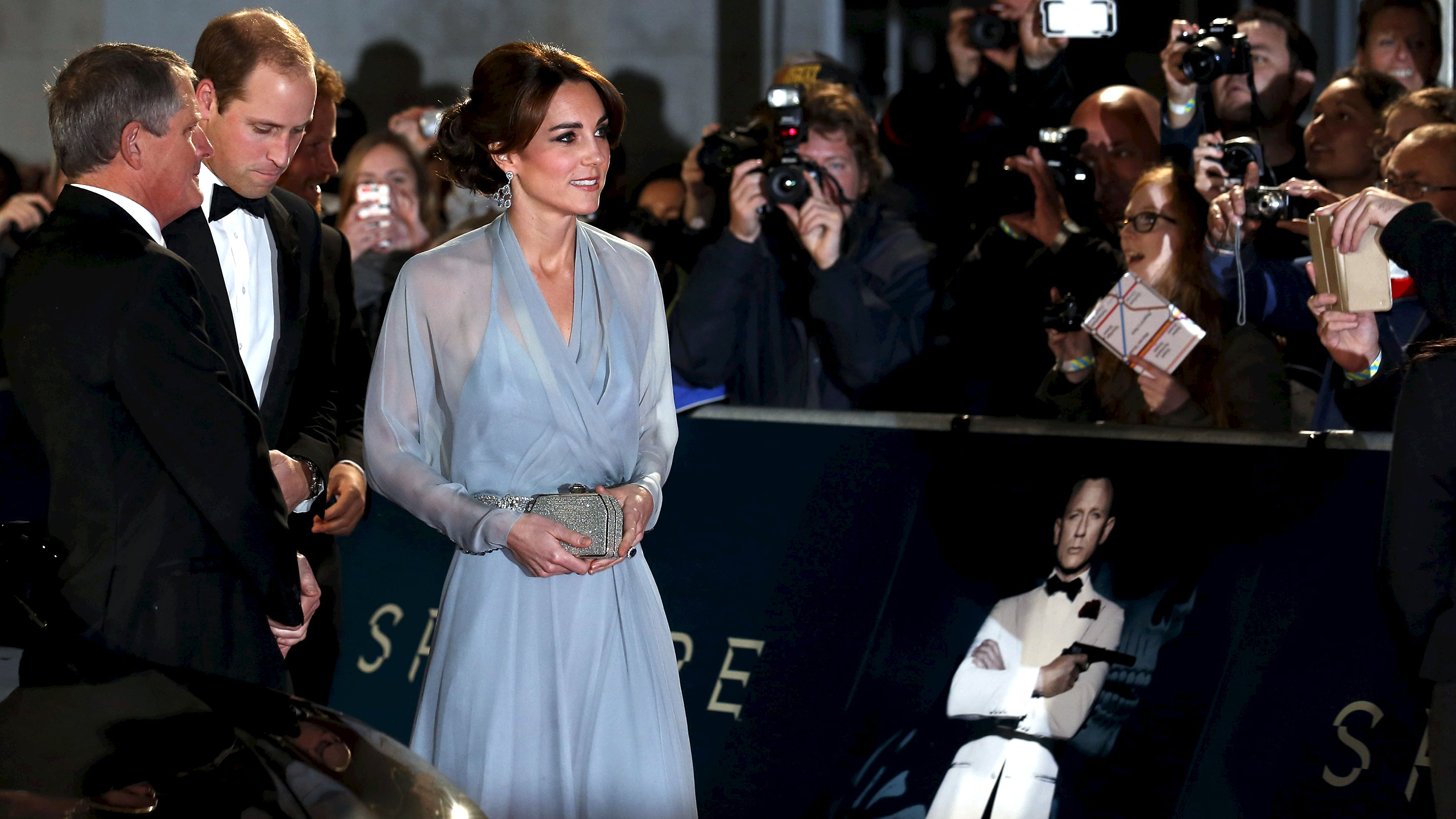 royals-duchess-kate-spectre-james-bond-today-tease-151026_0ae482abec02e899c9054923f95afc40.jpg