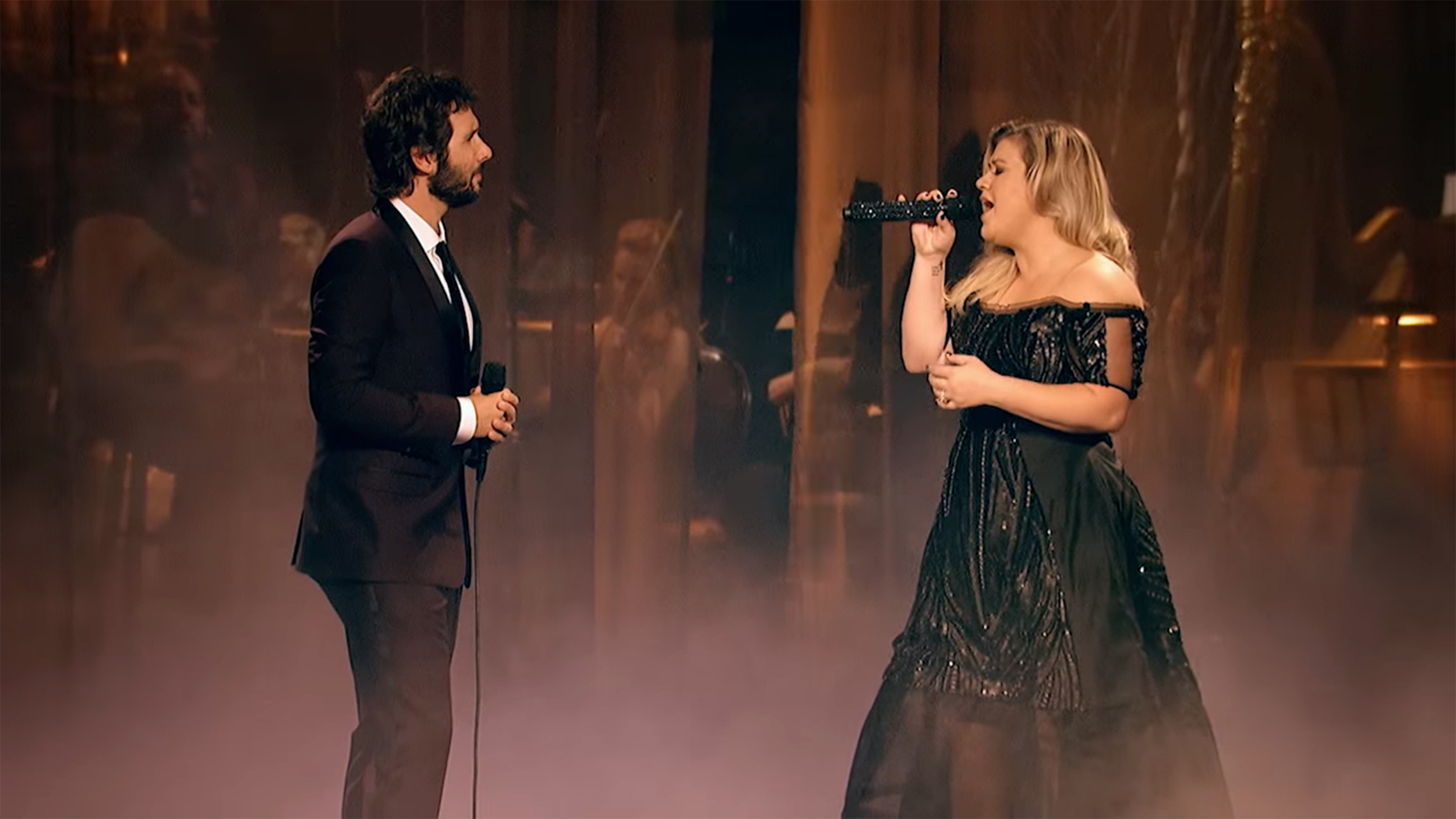 Kelly Clarkson, Josh Groban perform exquisite live version of \'All I ...
