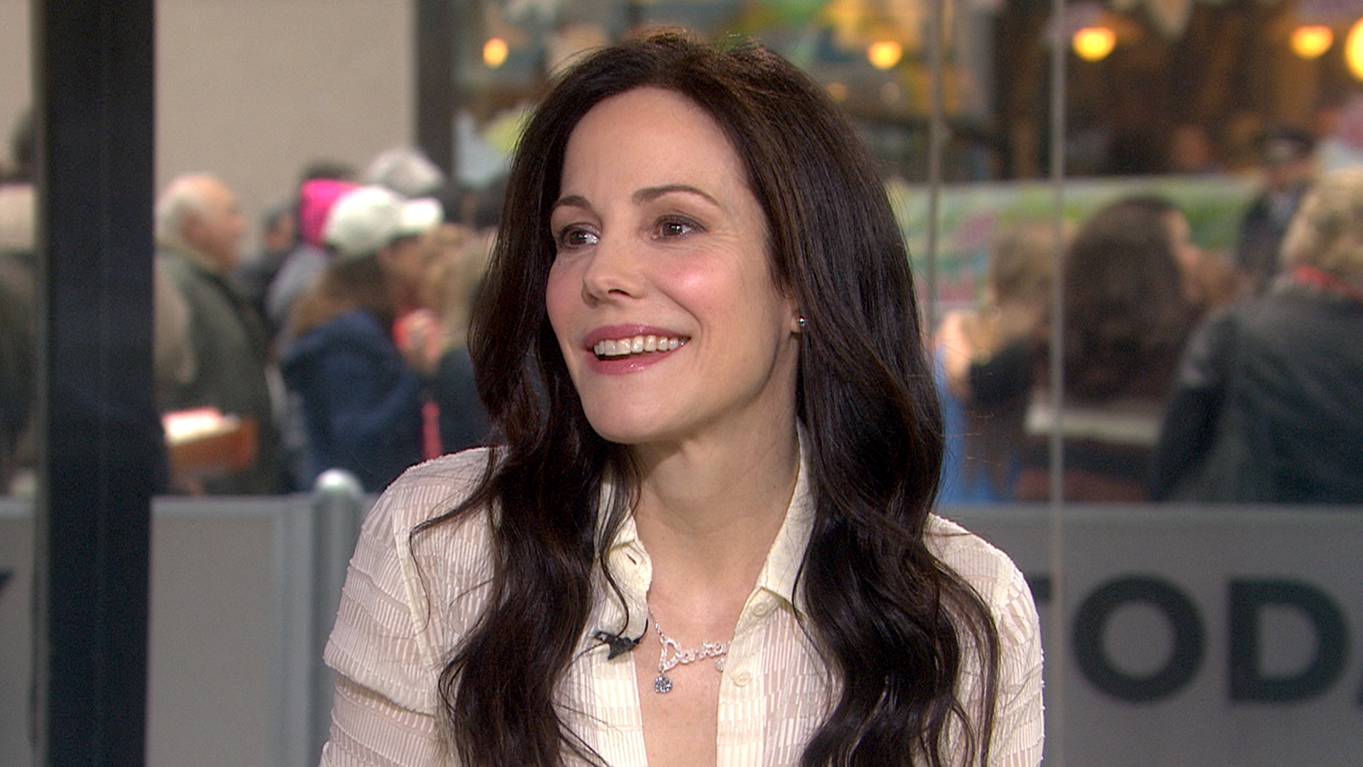 Mary louise parker wins our hearts in honest talk about breakups