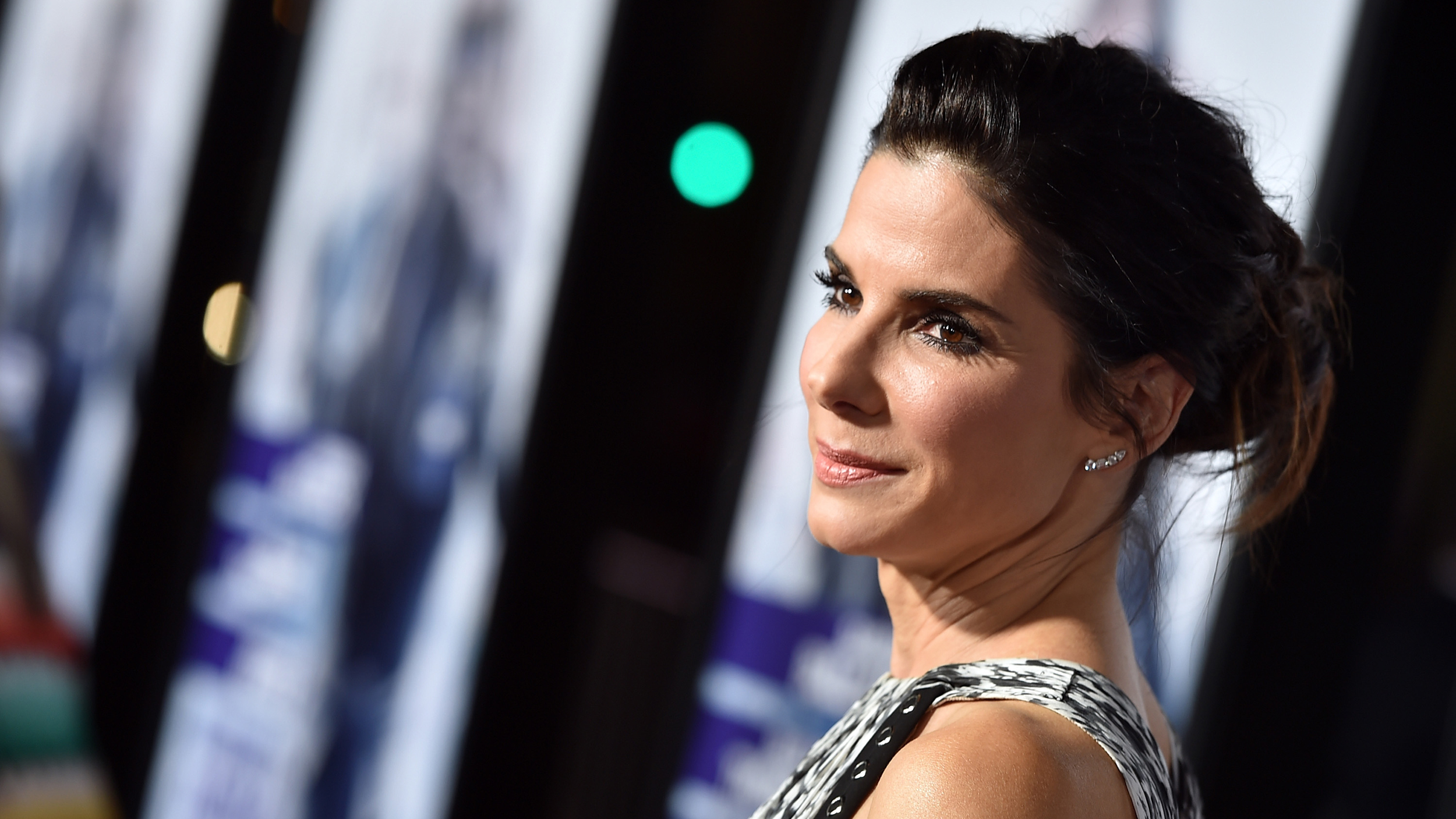 Who is hookup sandra bullock now