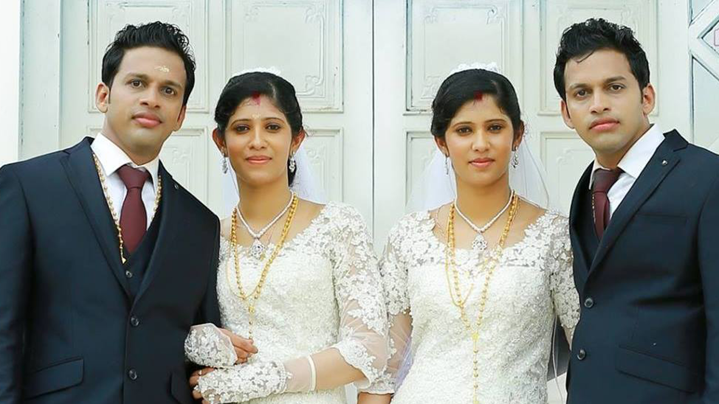 Two sets of identical twins marry in India, with twin priests and ...