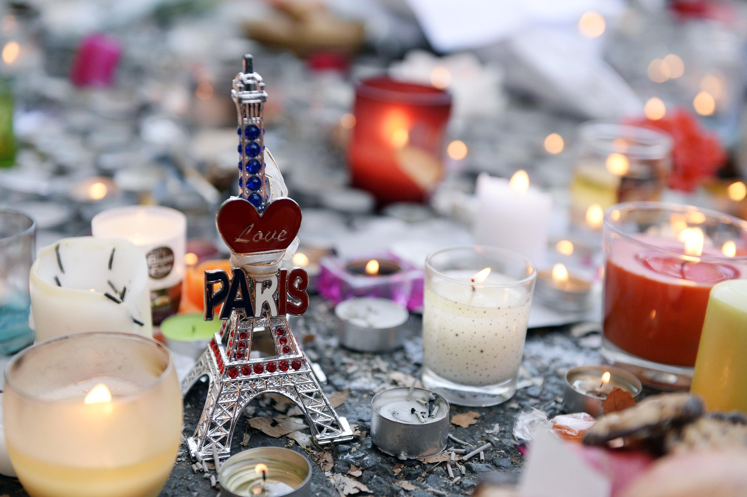 Follow Live Latest Updates on Paris Attacks