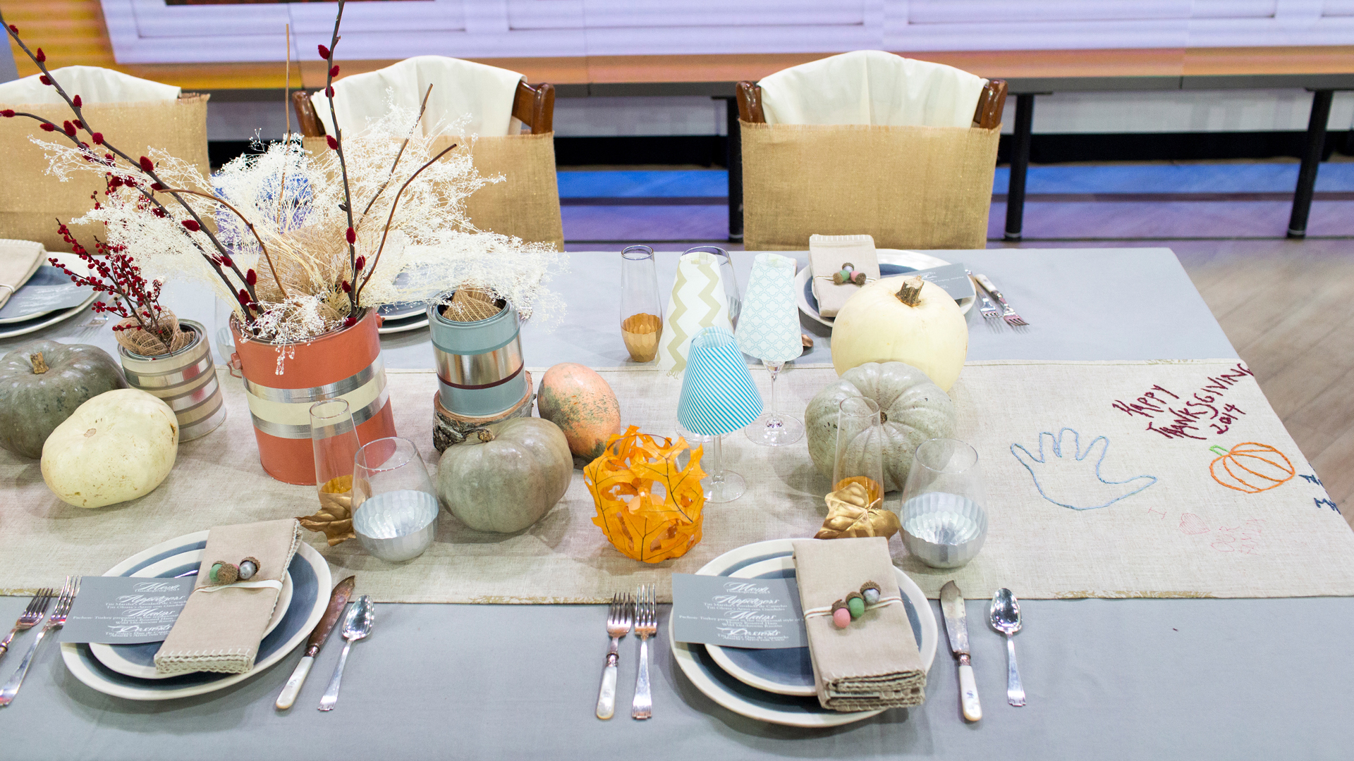 Thanksgiving table decor ideas for the adult and kids for Thanksgiving home decorations ideas