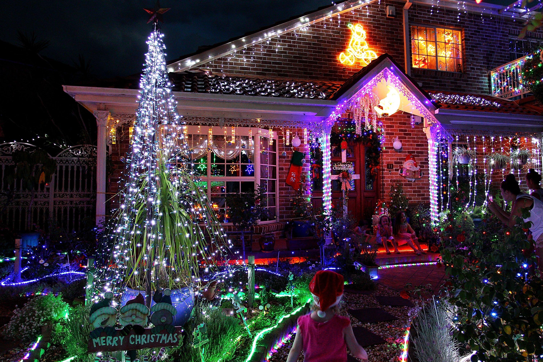 Can Christmas Lights Really Slow Your Wi-Fi? - NBC News