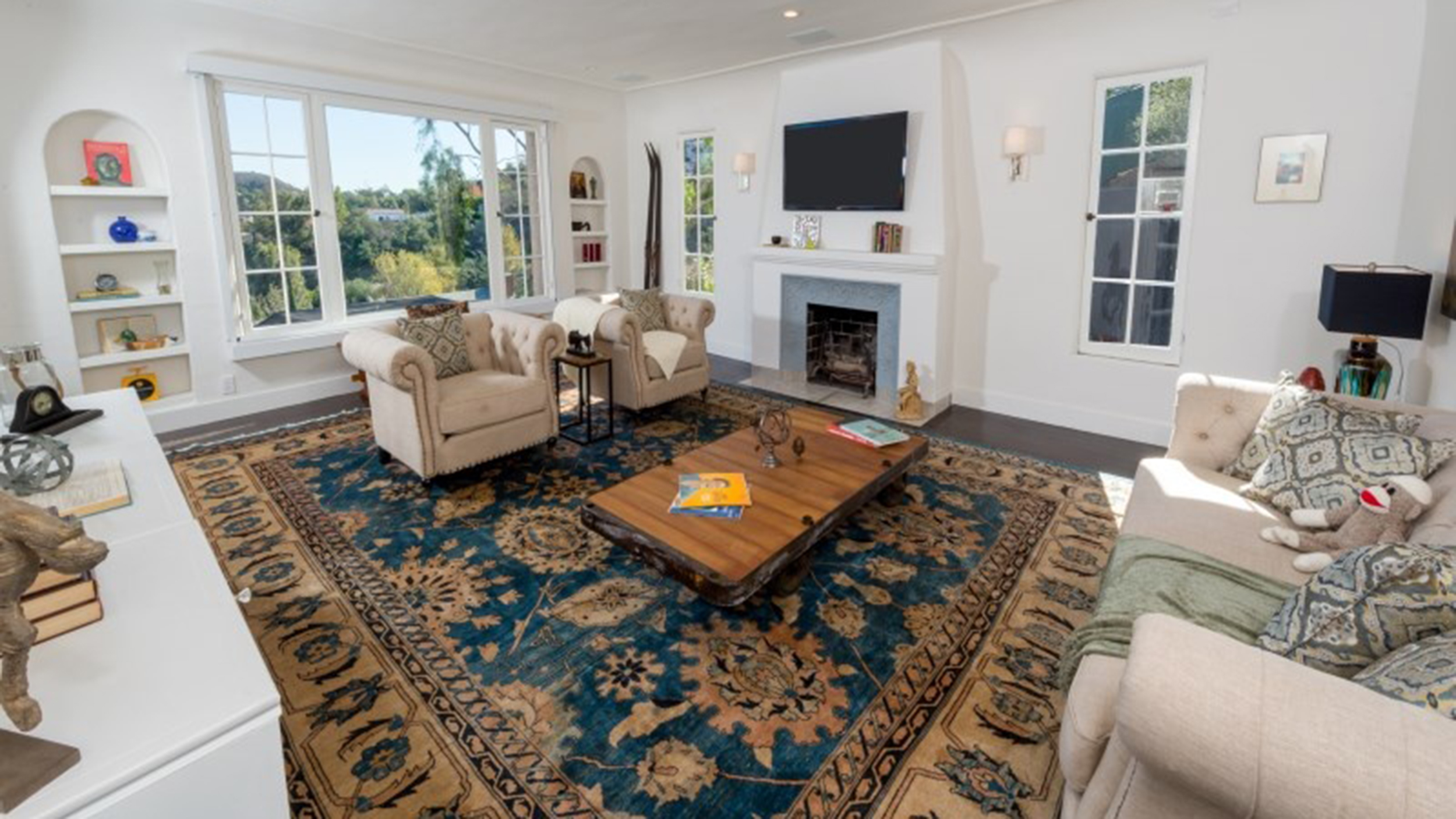 Kerry washington lists her chic hollywood home for Living room today