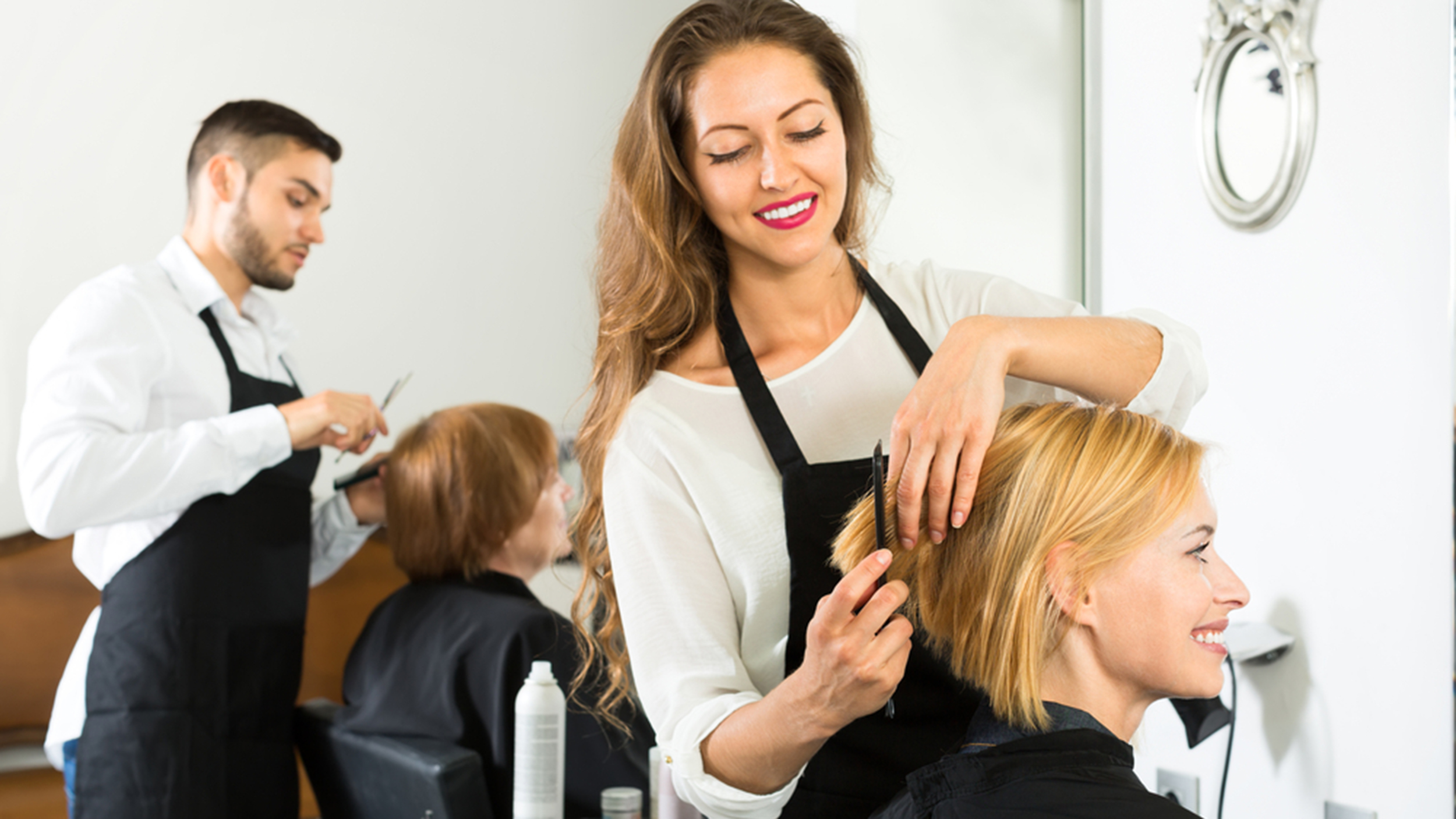 A Guide To Holiday Tipping What To Give Your Hairdresser