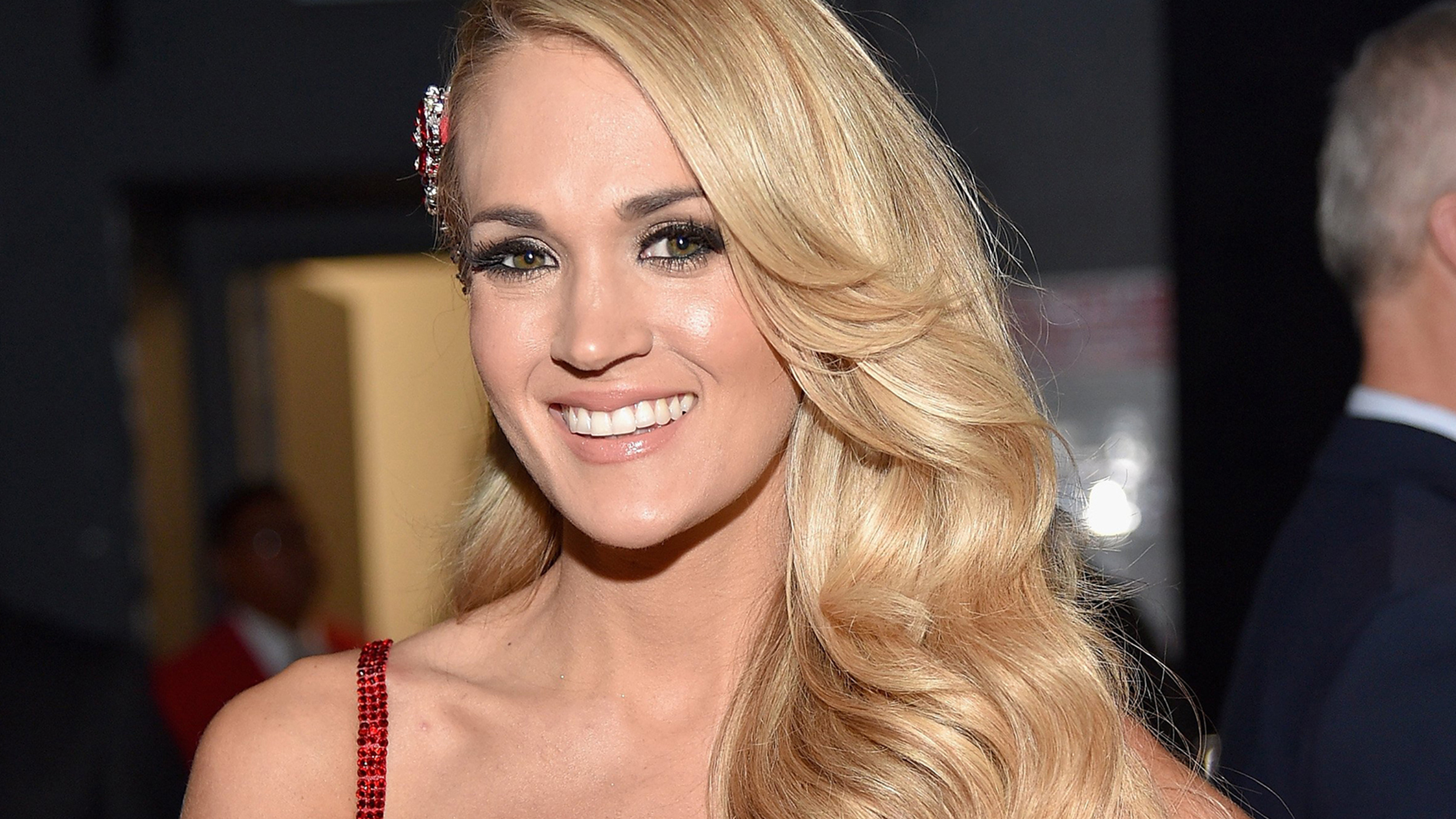 Carrie Underwood Hair Style: Carrie Underwood Debuts Shorter, Trendy Lob Haircut On