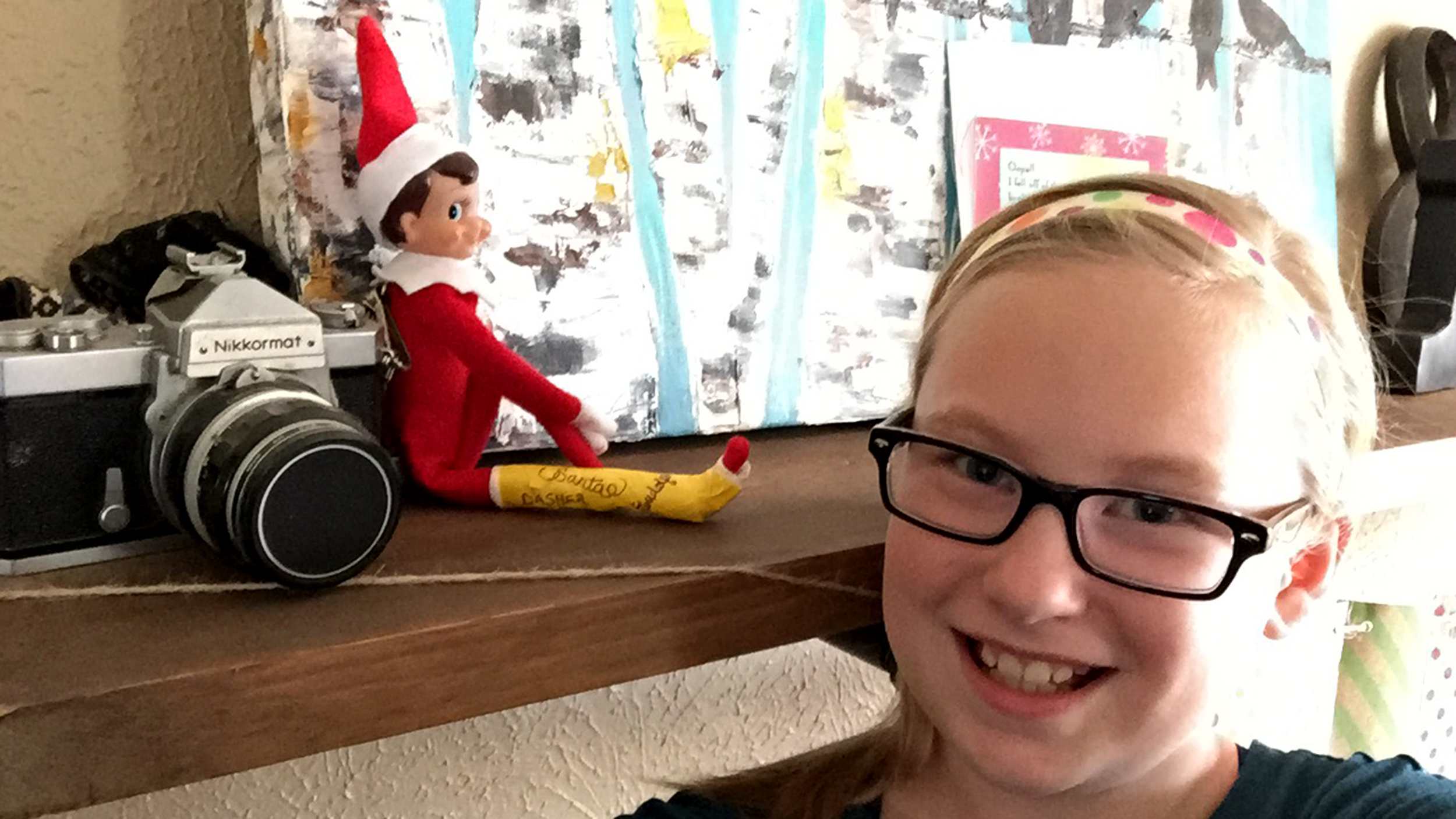 elf on the shelf with a broken leg helps mom win christmas today com