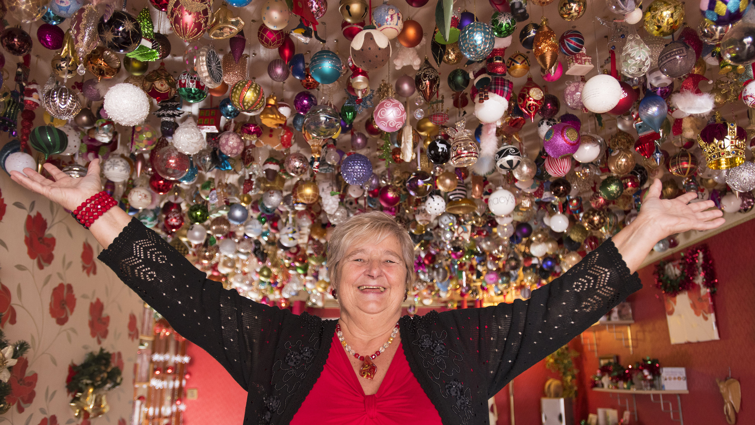 Christmas decorations sylvia pope decorates home with