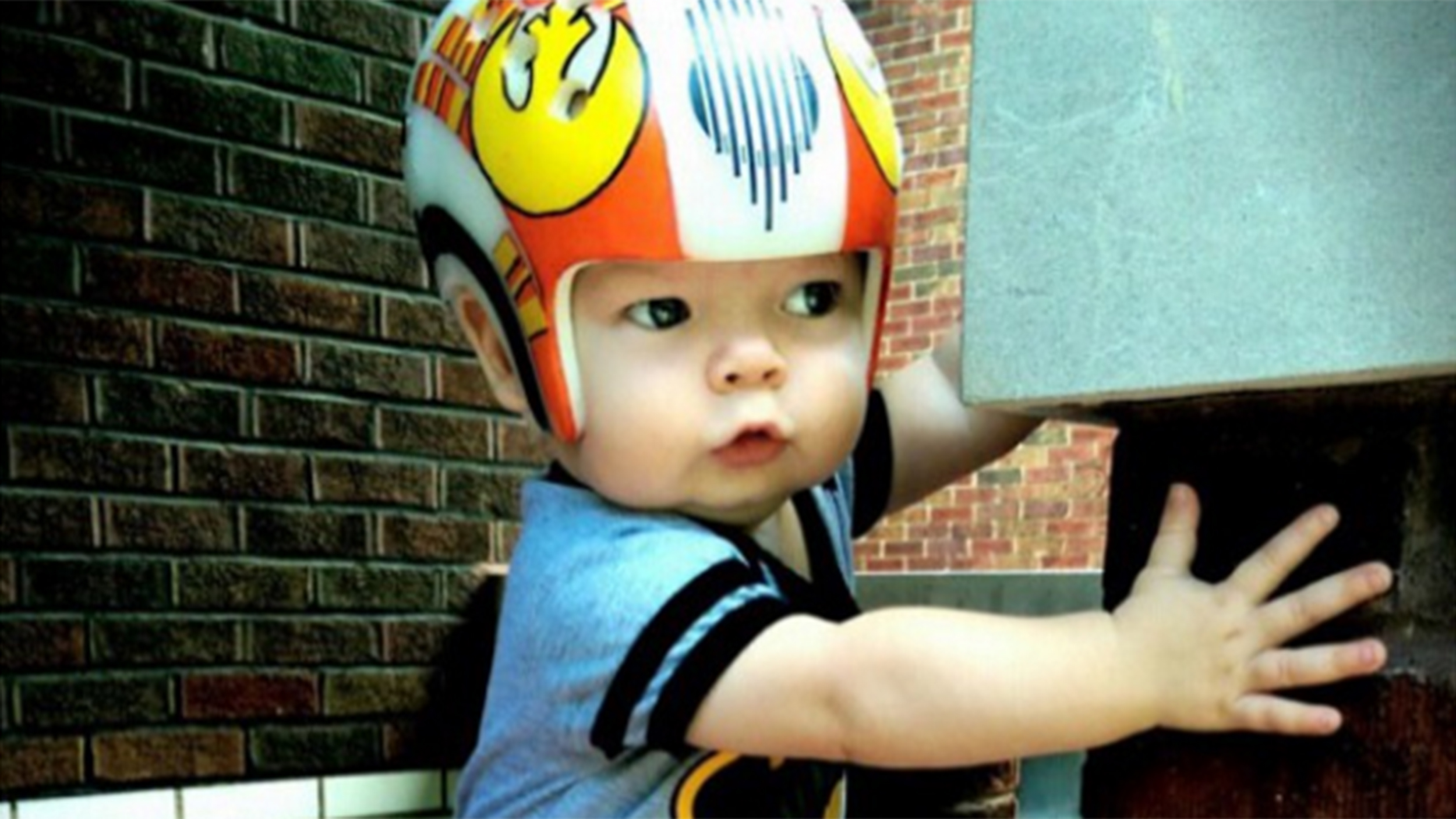 Dad Creates Awesome Star Wars Helmets For Son With Skull Condition - Baby helmet decals