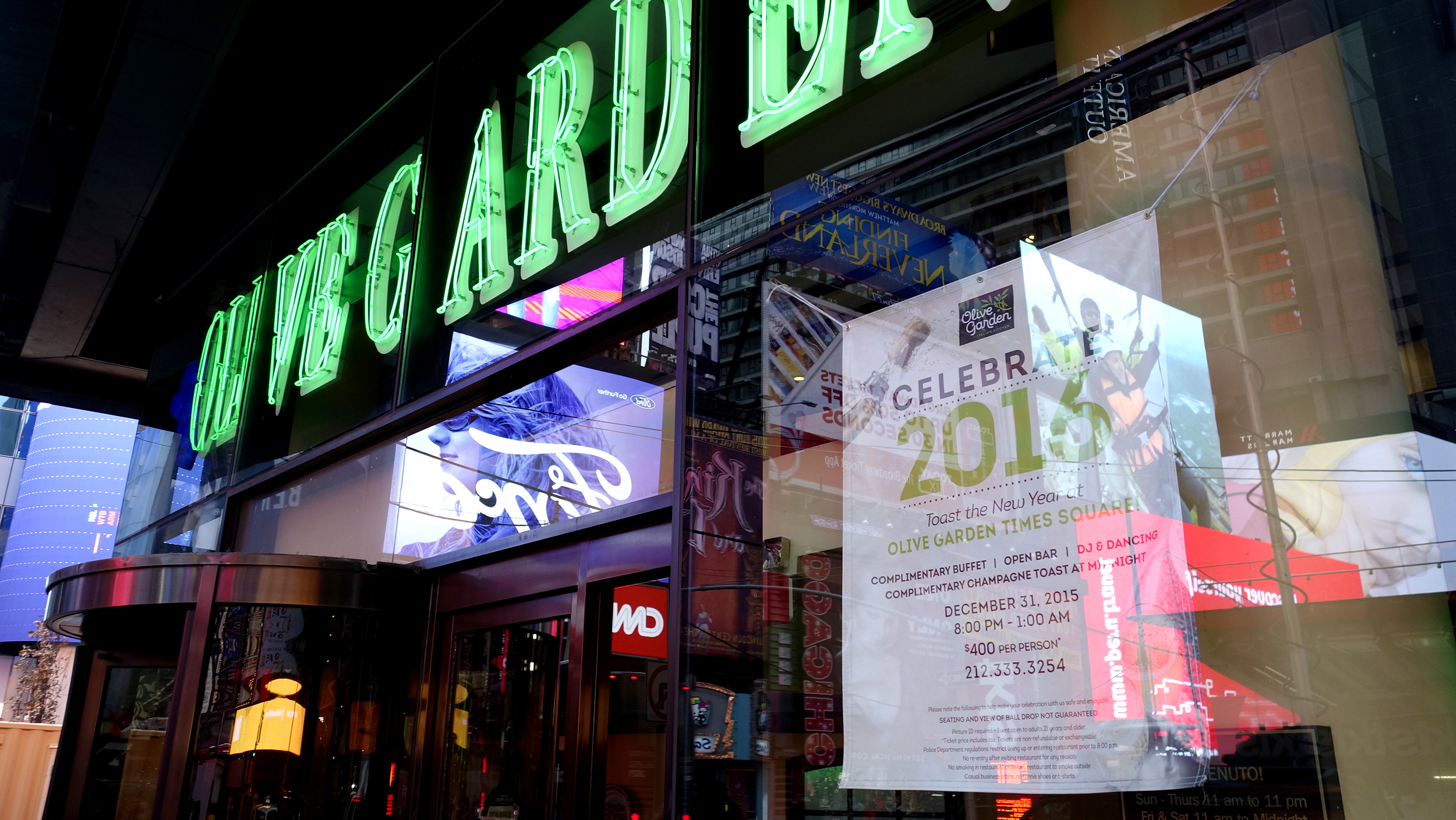Olive Garden In Times Square Is Charging 400 A Pop For New Year 39 S Eve