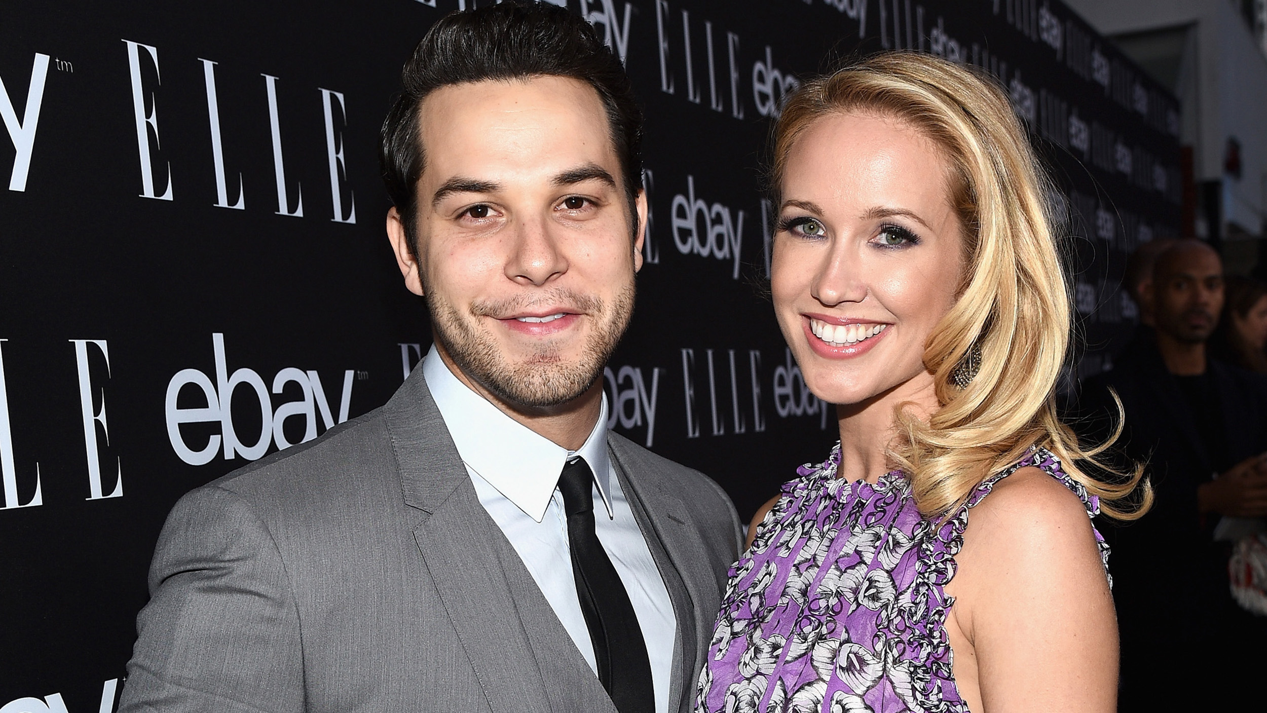 Aca-amazing! 'Pitch Perfect' stars Skylar Astin, Anna Camp get engaged