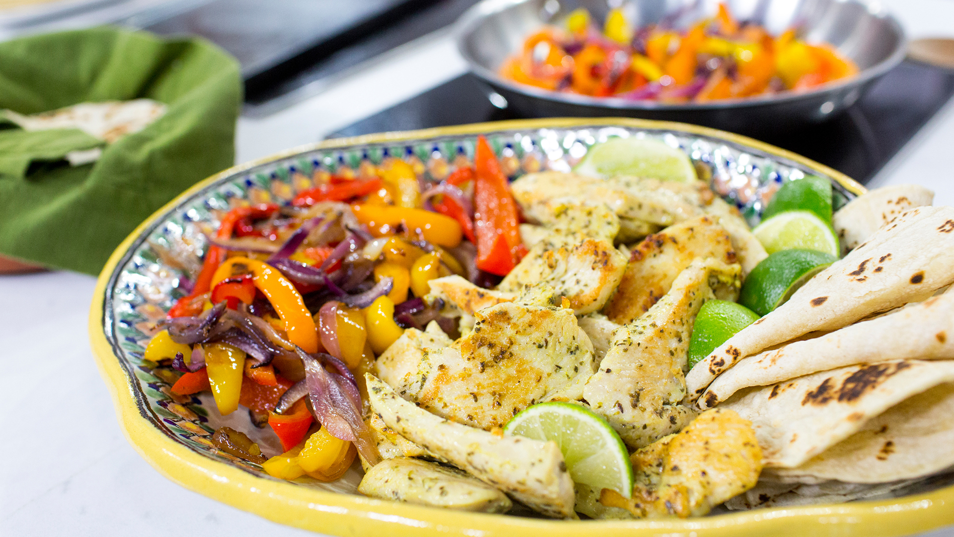 Al Roker S Chicken Fajitas With Yellow Rice And Black Beans Today Com