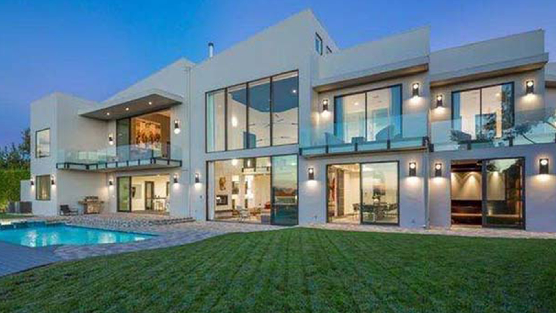 John legend and chrissy teigen buy beautiful beverly hills New modern houses for sale
