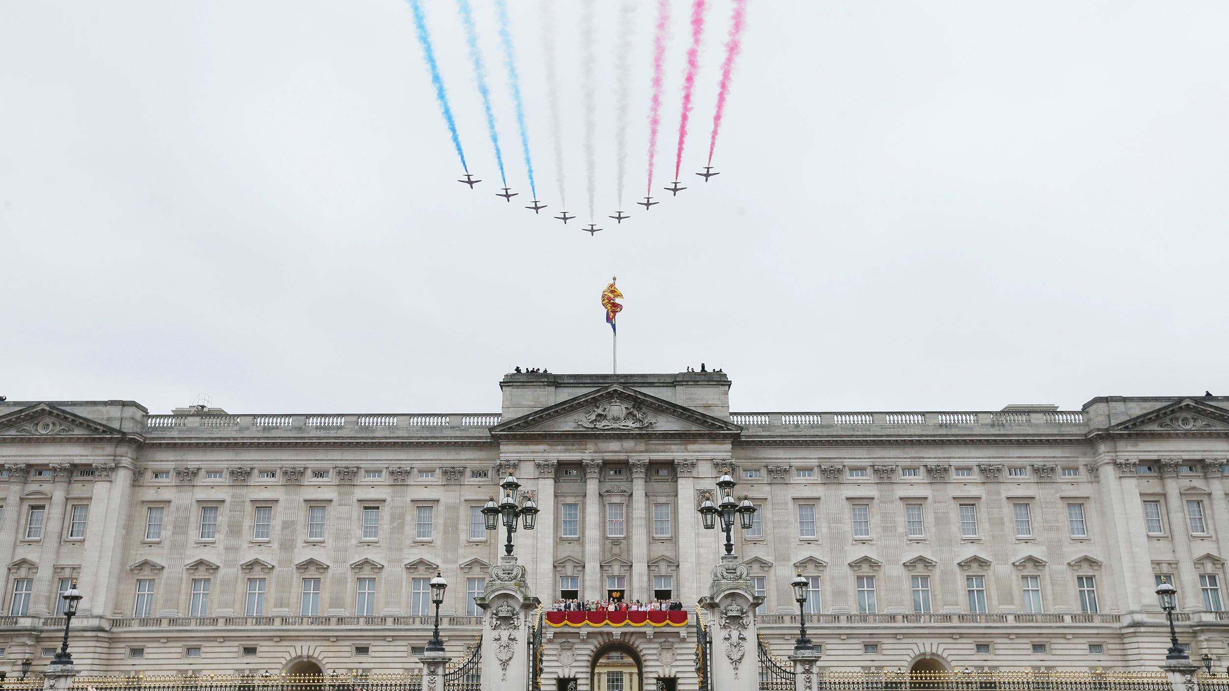 Buckingham Palace virtual tour gives public peek of royal ...