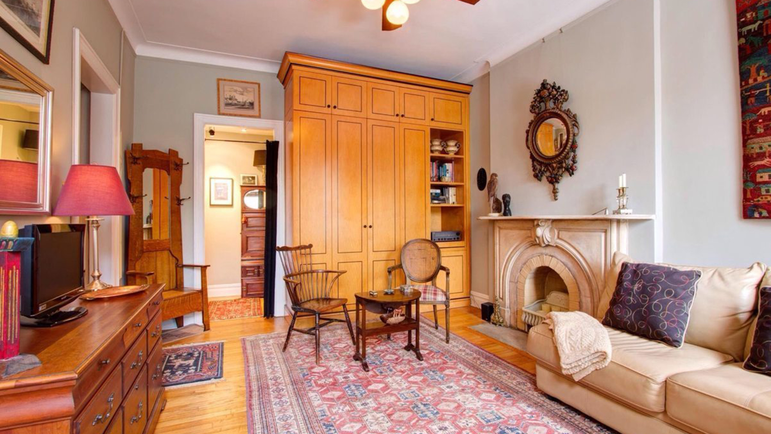 Louis C.K.'s buys NYC studio apartment — see inside ...