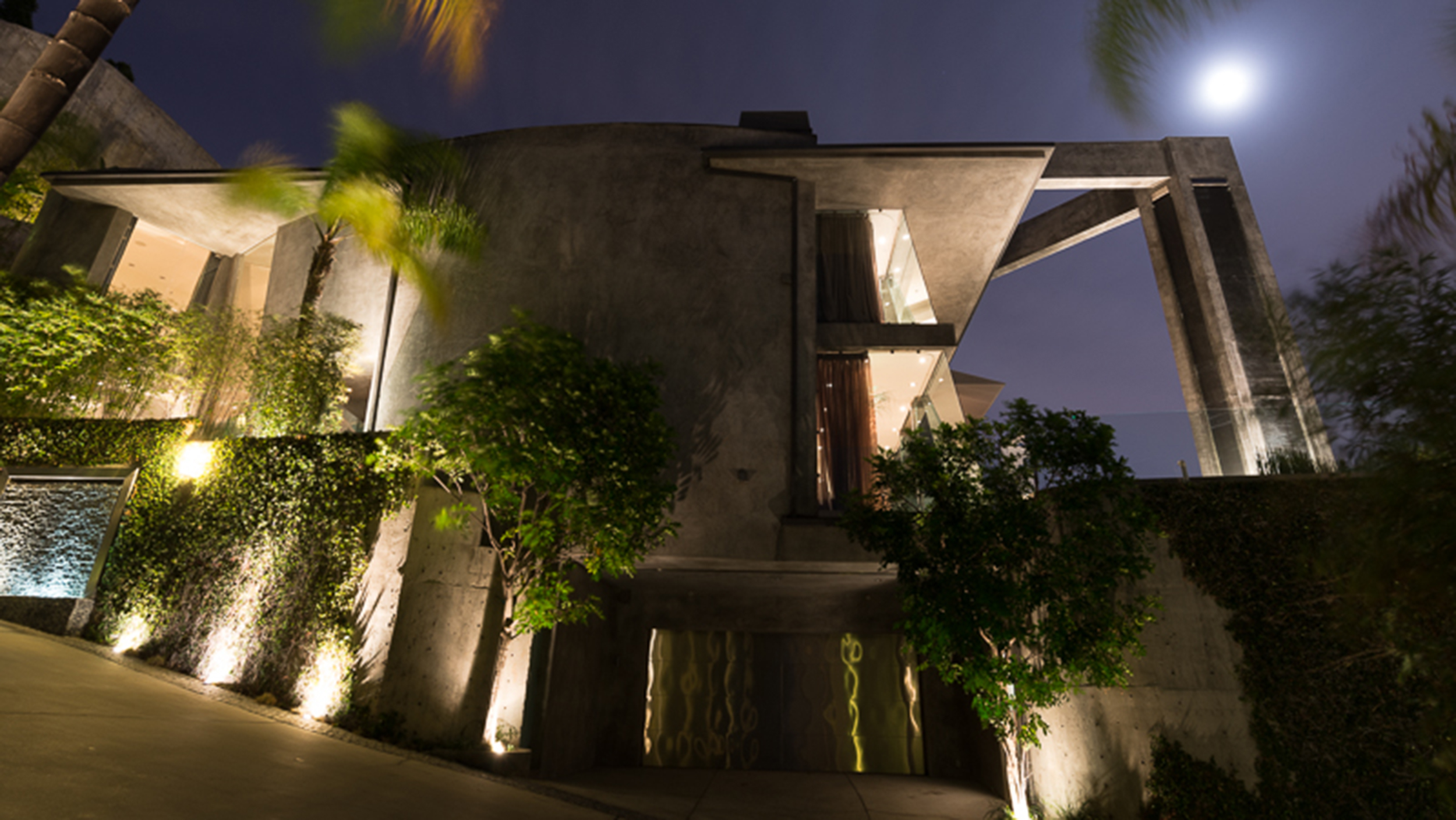 What does this concrete home look like inside for Look inside beautiful homes