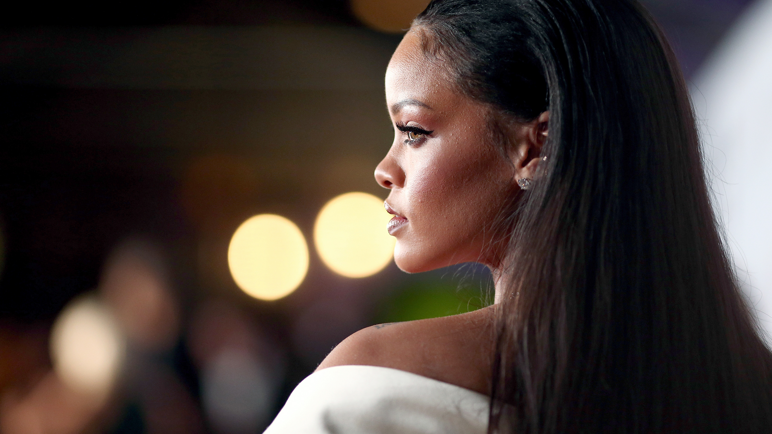 Rihanna Hairstyles Bob Haircut Makes Its Debut On Ellen