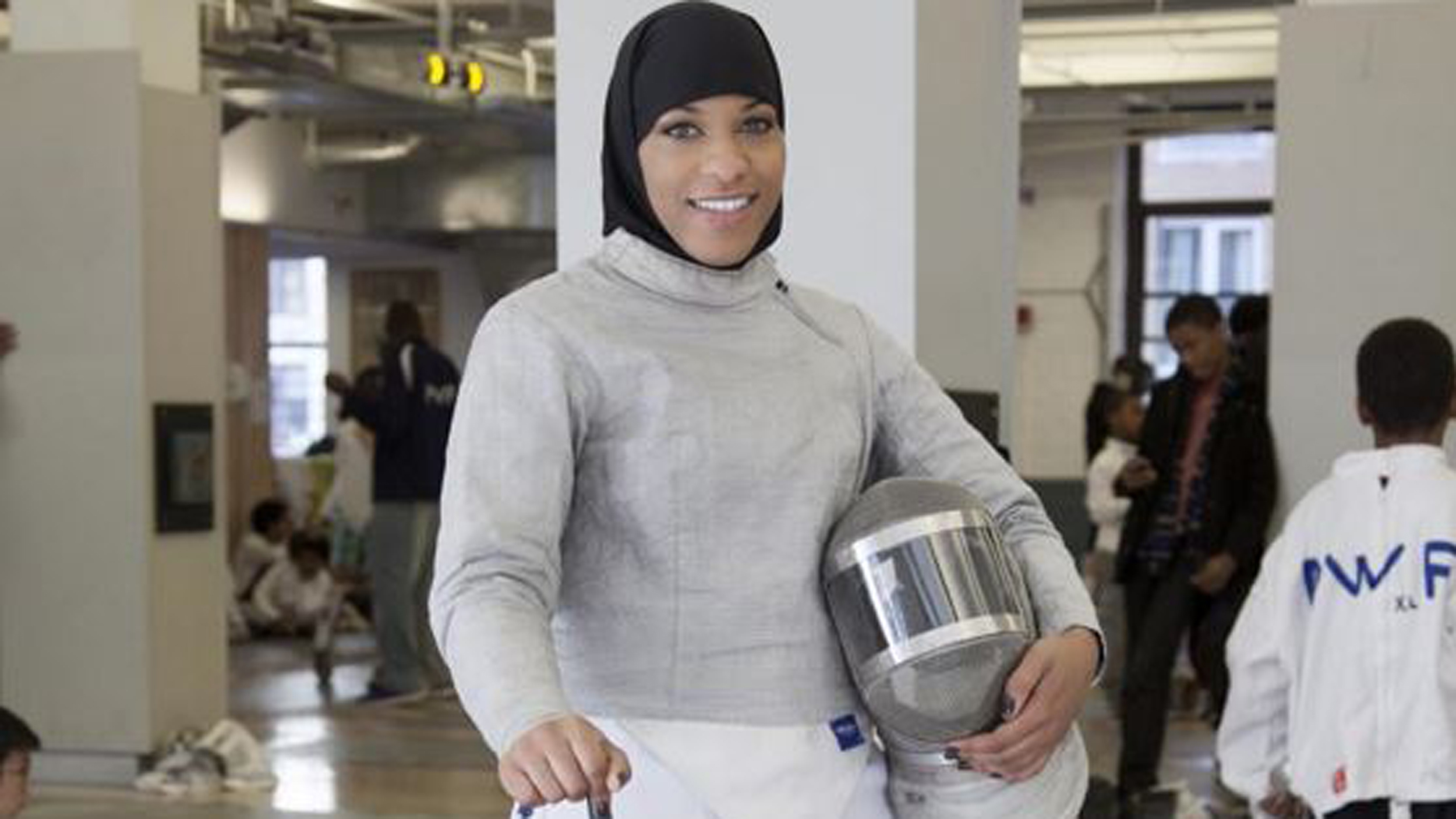 Fencer Ibtihaj Muhammad Set To Be First Us Olympian To