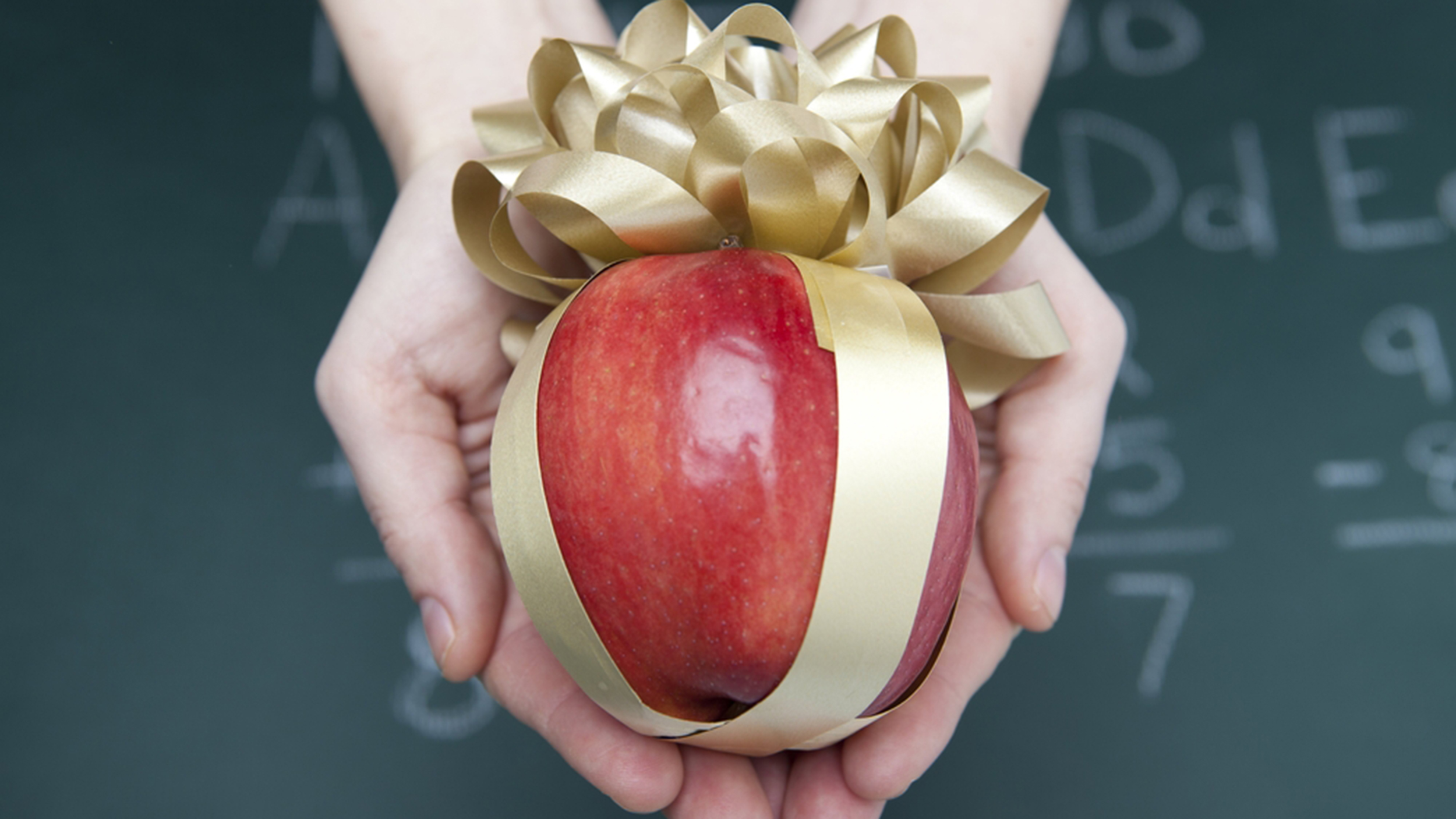 here s a list of the 5 best and worst gifts to give teachers this