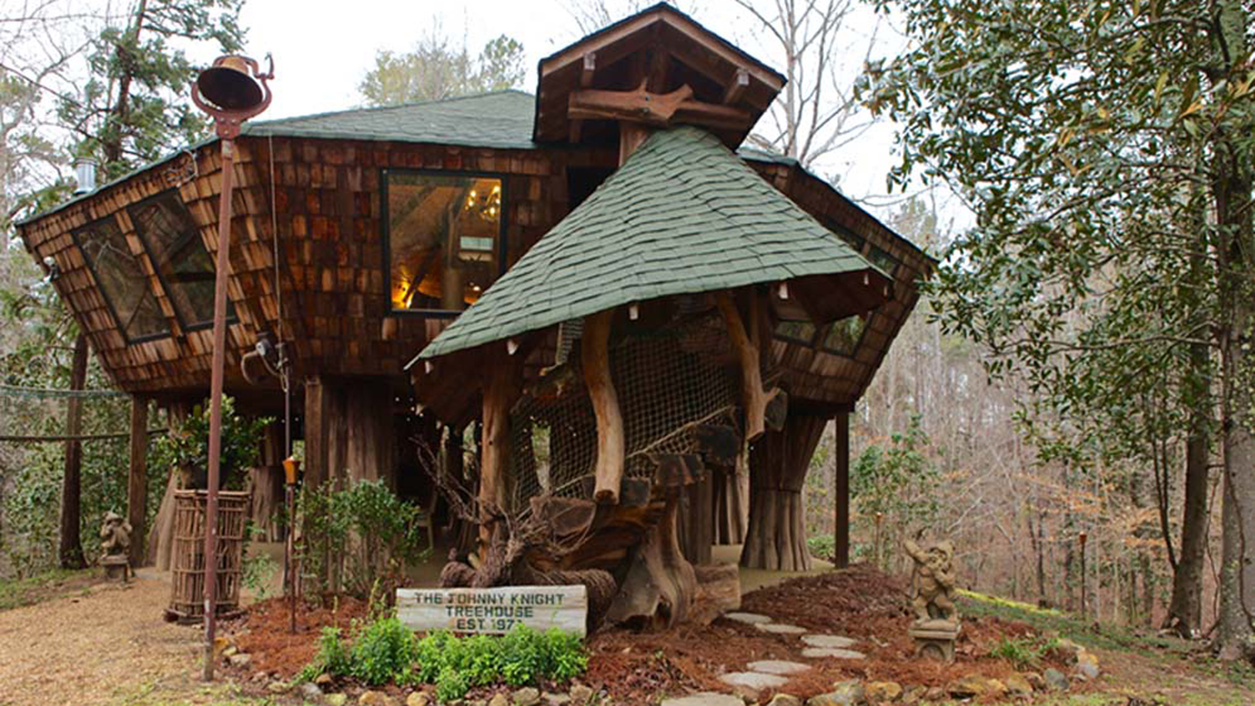 tree house inside cozy the ultimate place to play see inside this 1200squarefoot tree house the