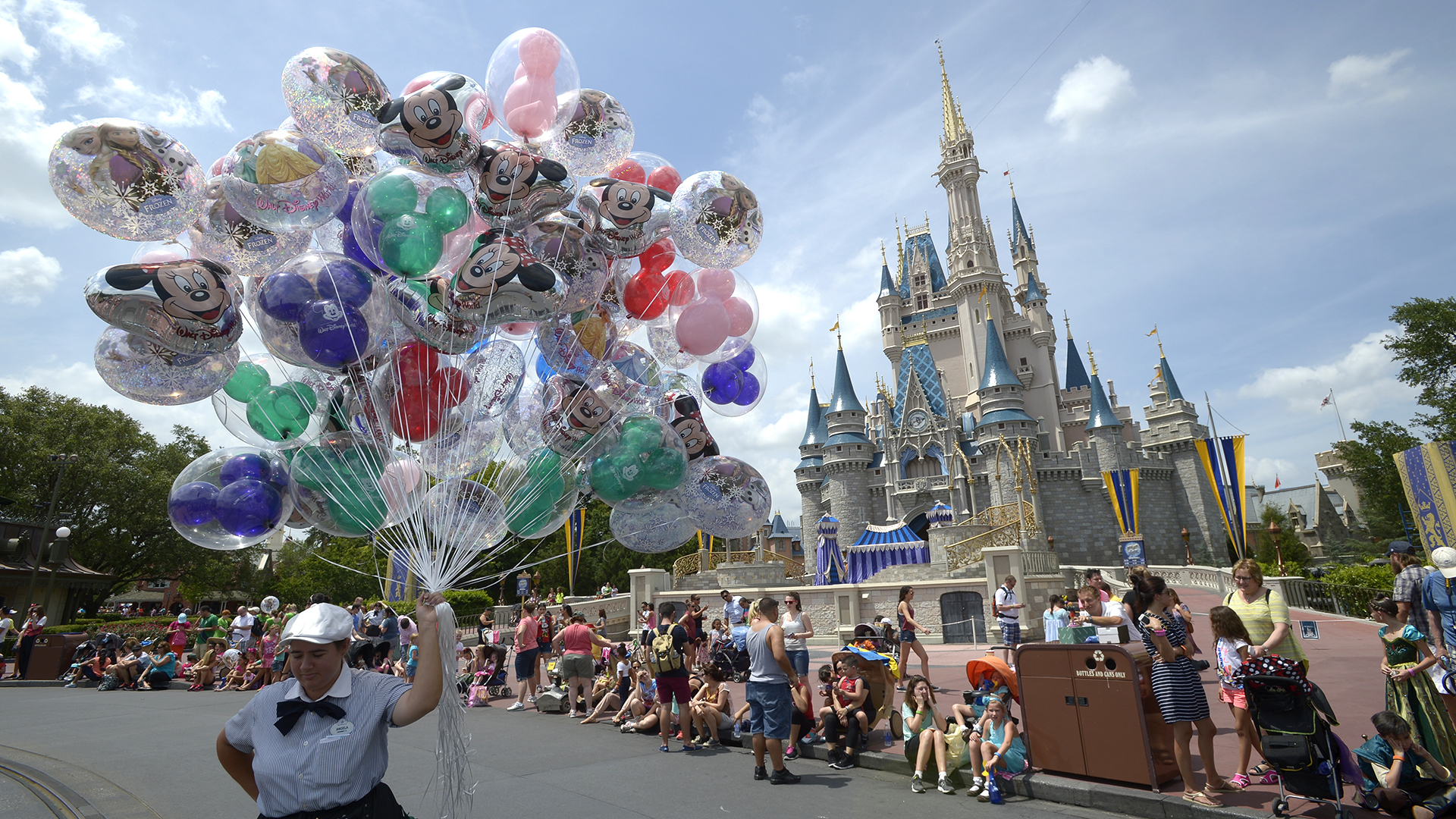 10 crazy things you never knew about Walt Disney World ...