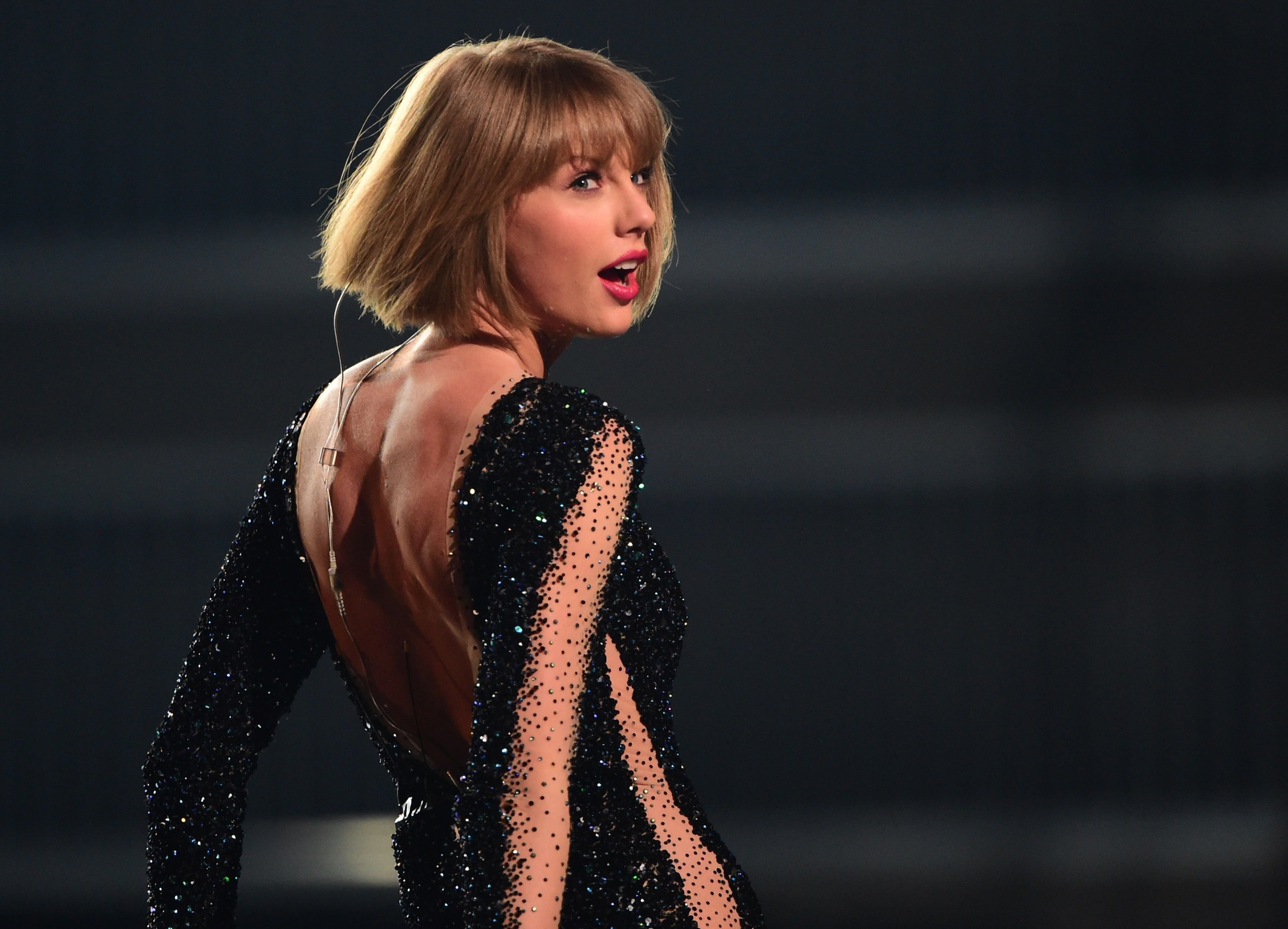 Taylor Swift Donates 250k To Kesha During Legal Battle To Cease Contract With Dr Luke