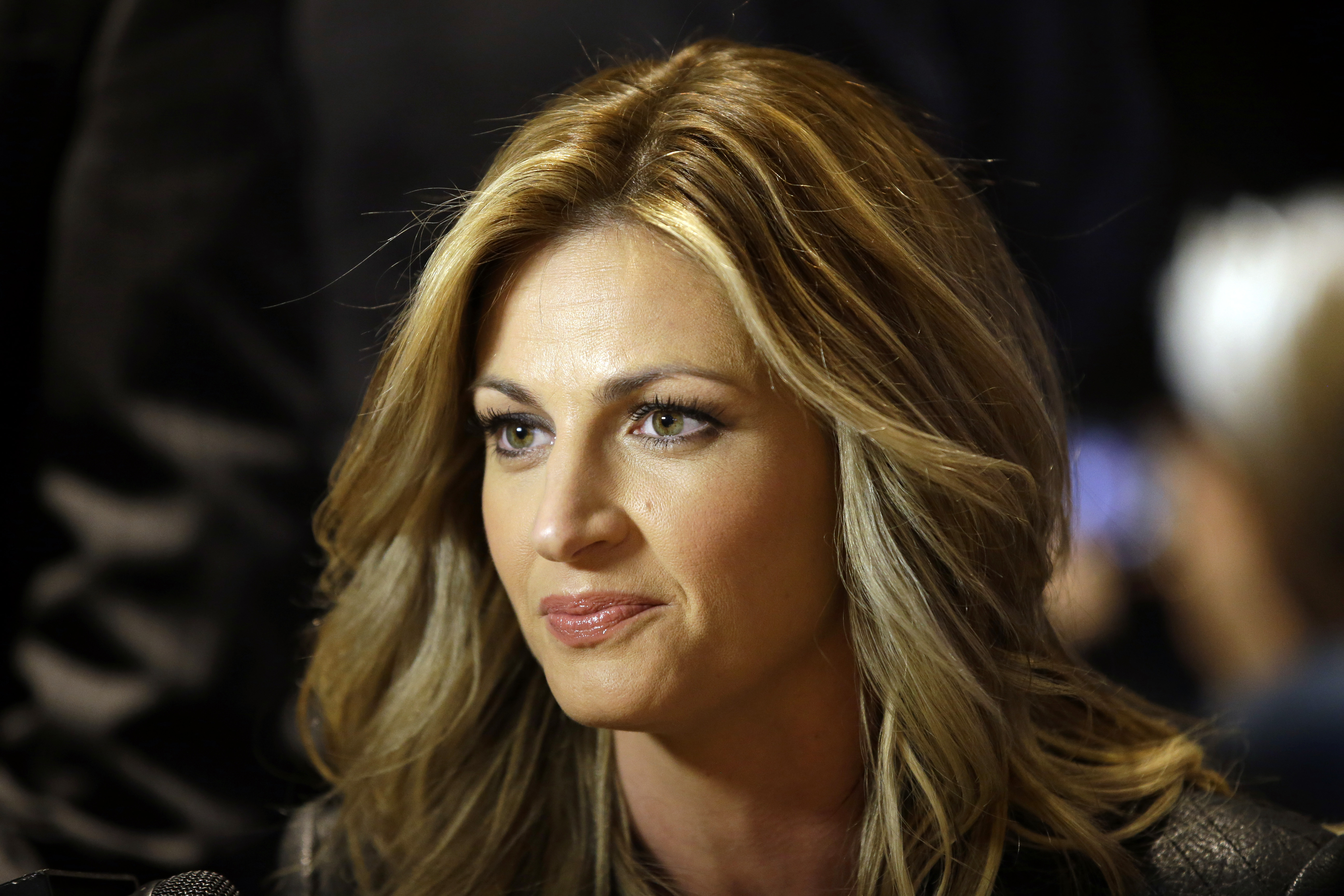 Erin andrews topless video — pic 9