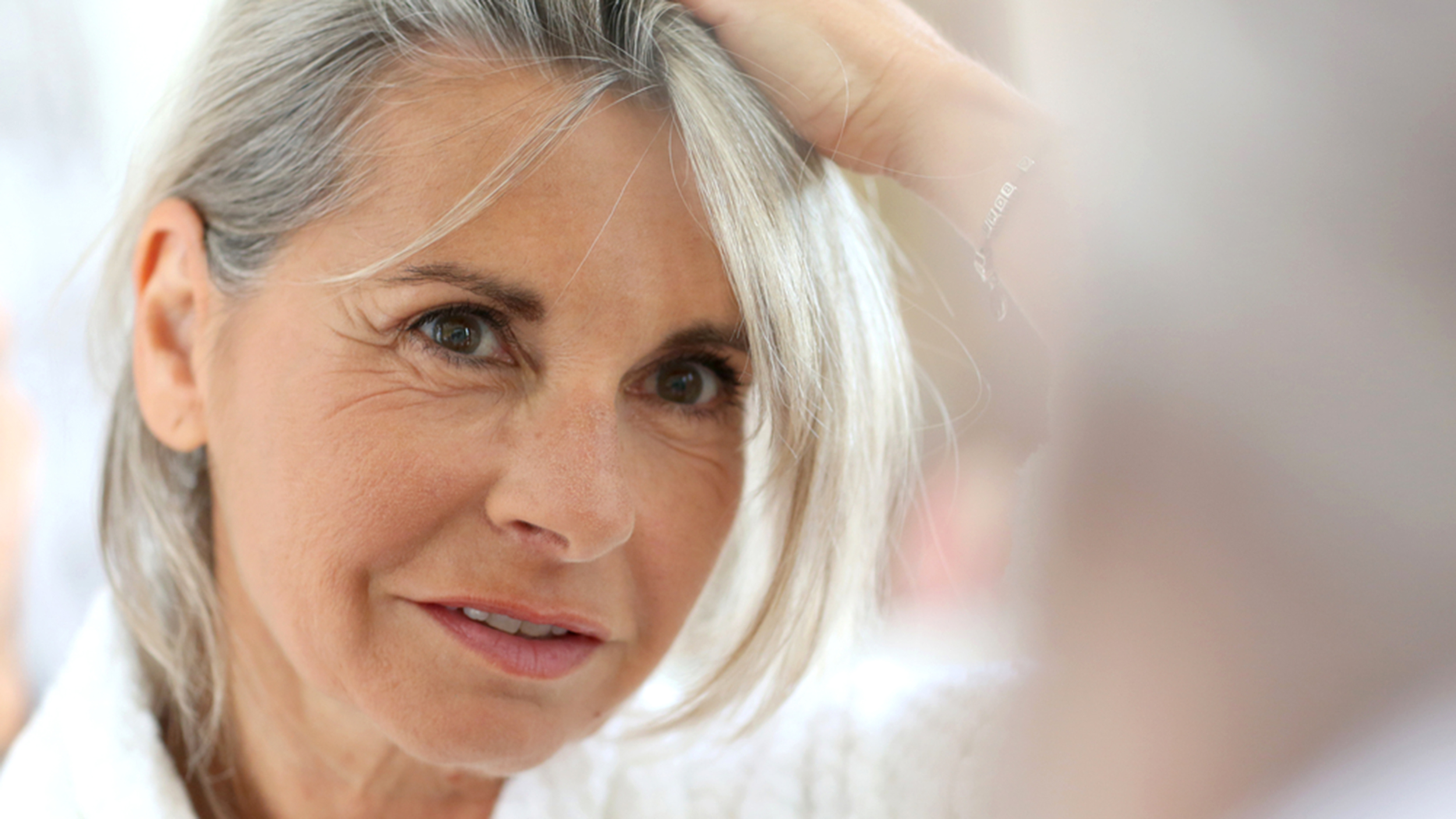 Как отрастить седые волосы