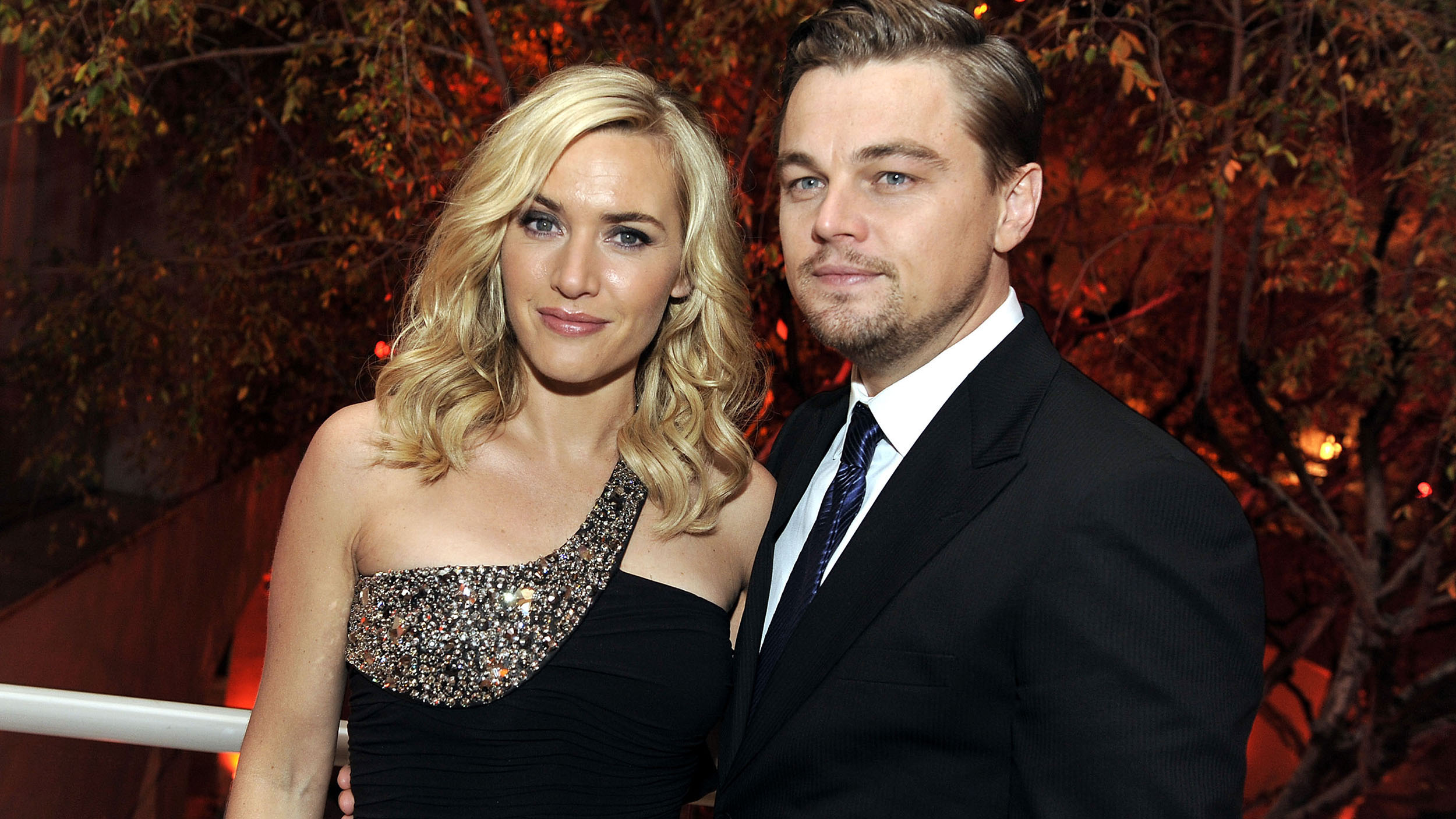 Ahc Of Glendale Dicaprio Winslet Tease Today Fbaeaabadeaabfbefcf