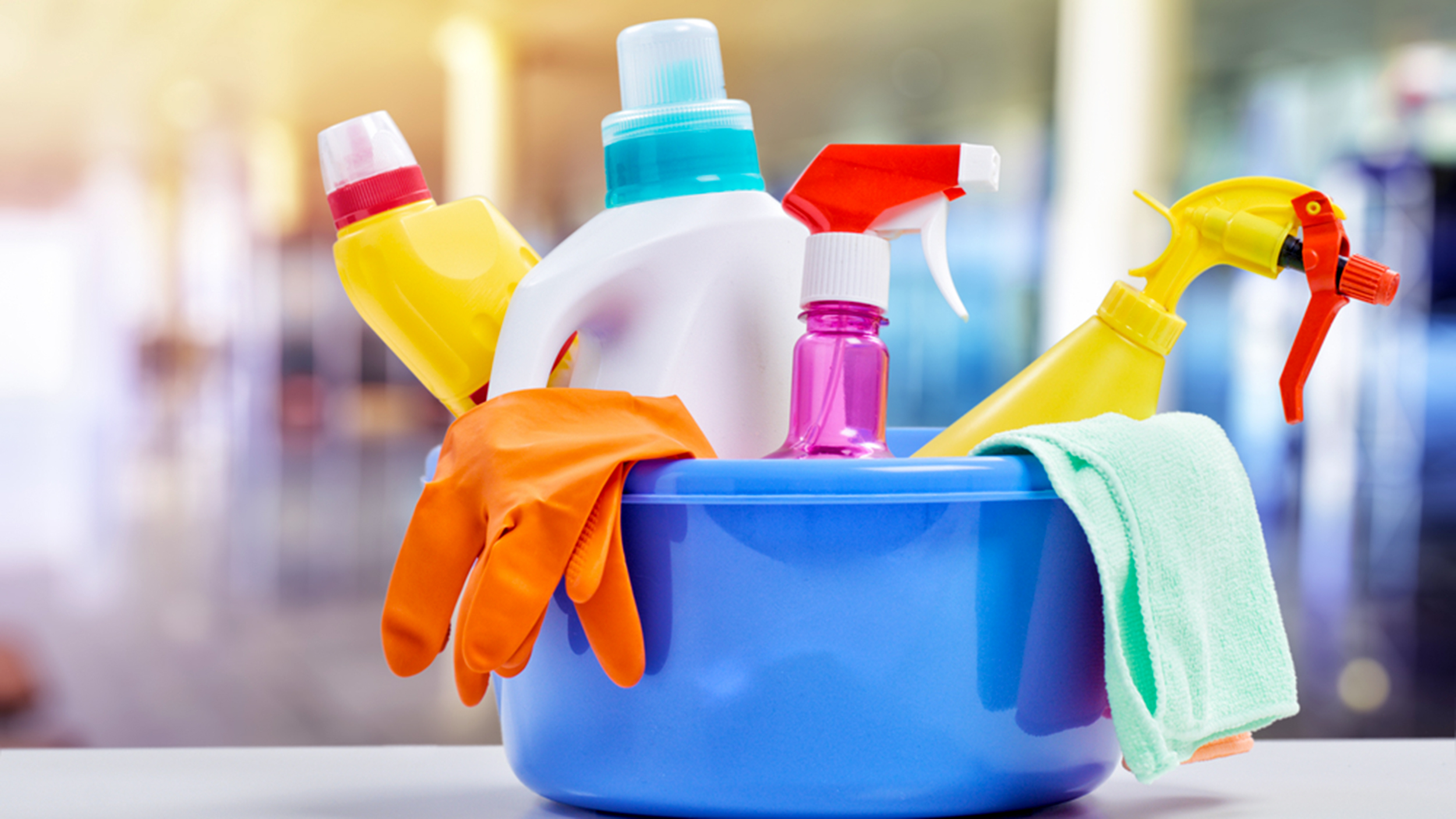 5 Cleaning Products That Every Adult Should Own