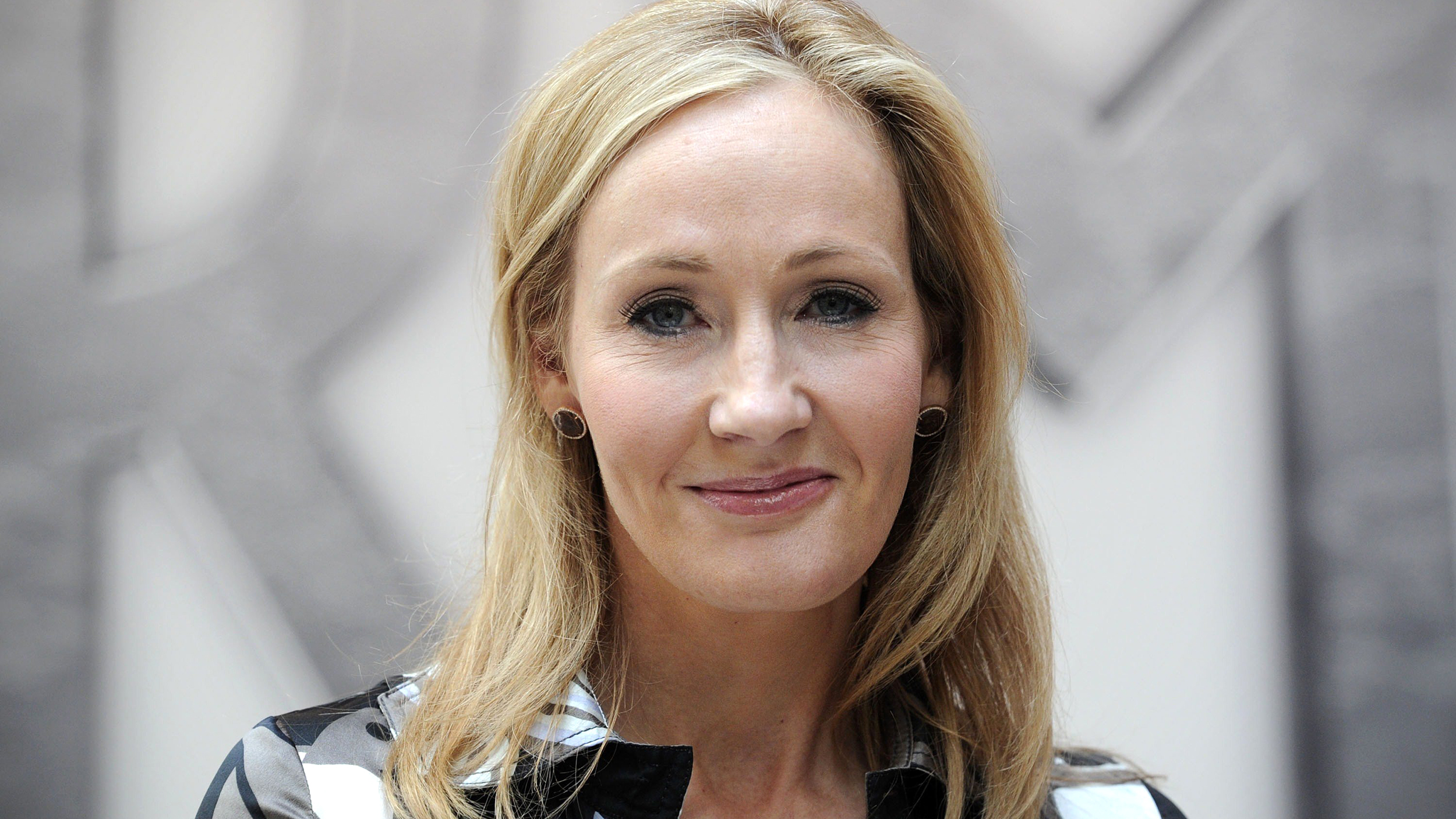 j k rowling finally apologizes for one of the most heartbreaking j k rowling finally apologizes for one of the most heartbreaking harry potter deaths com