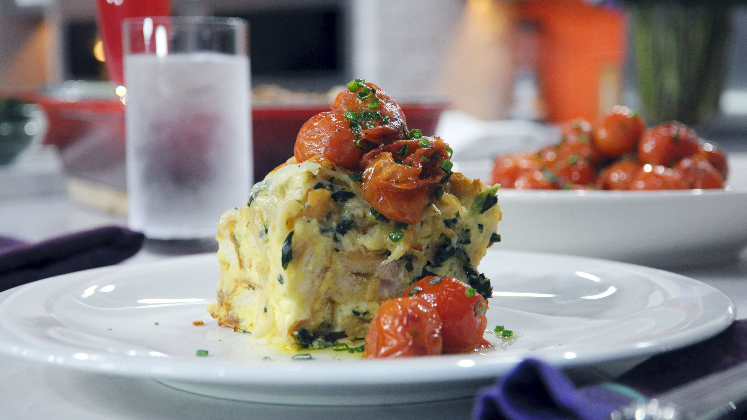 Caramelized onion spinach gruyere strata with tomatoes for Brunch with bobby recipes
