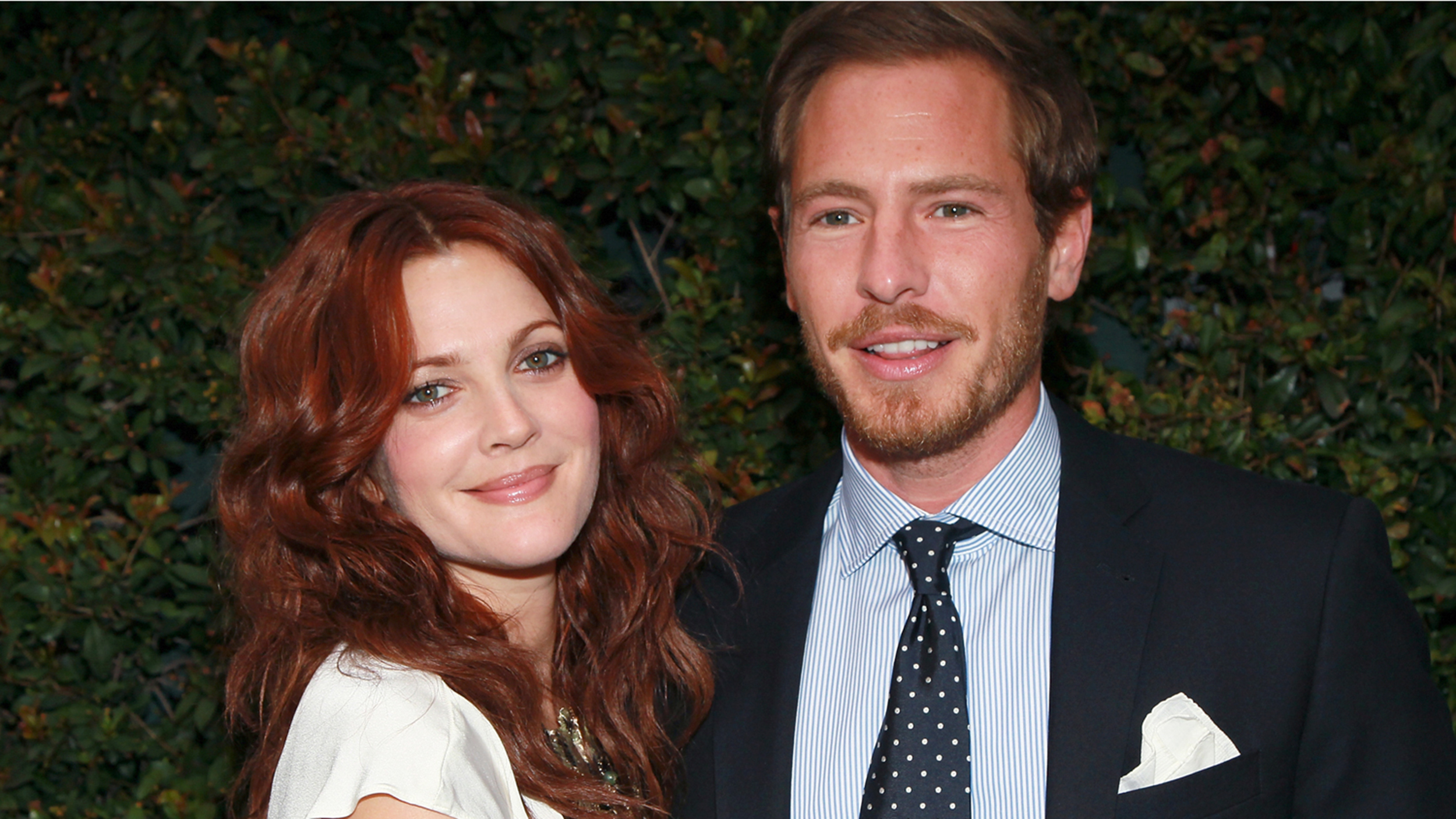 Drew Barrymore and her husband reported divorcing 04/02/2016 59
