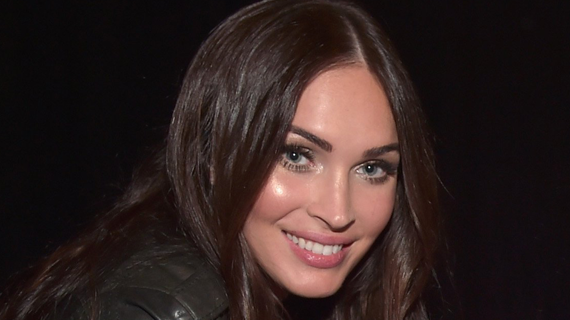 Megan fox talks 39 productive 39 third pregnancy and father 39 s - Pink fox instagram ...