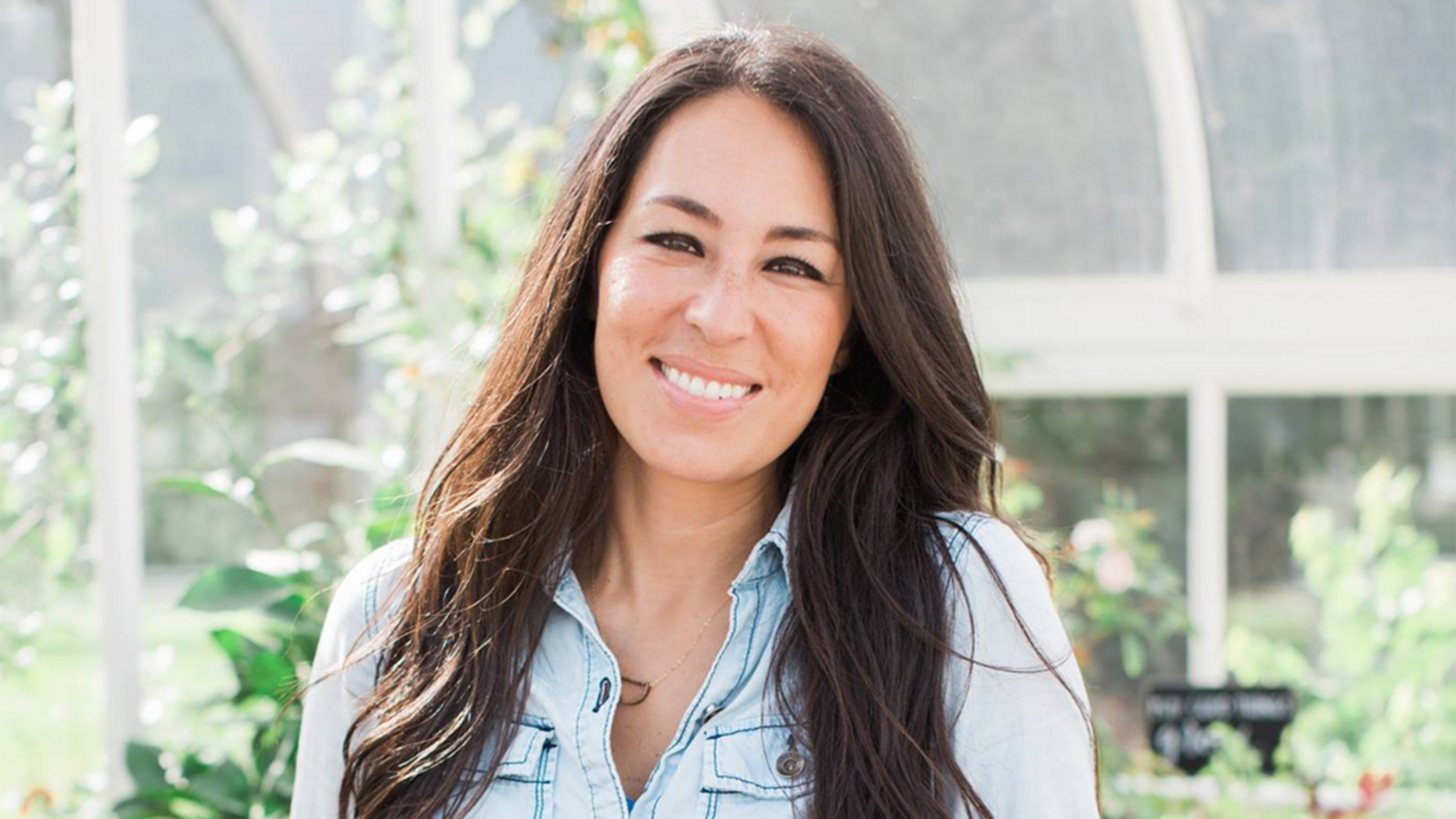 39 fixer upper 39 joanna gaines shares her spring cleaning. Black Bedroom Furniture Sets. Home Design Ideas