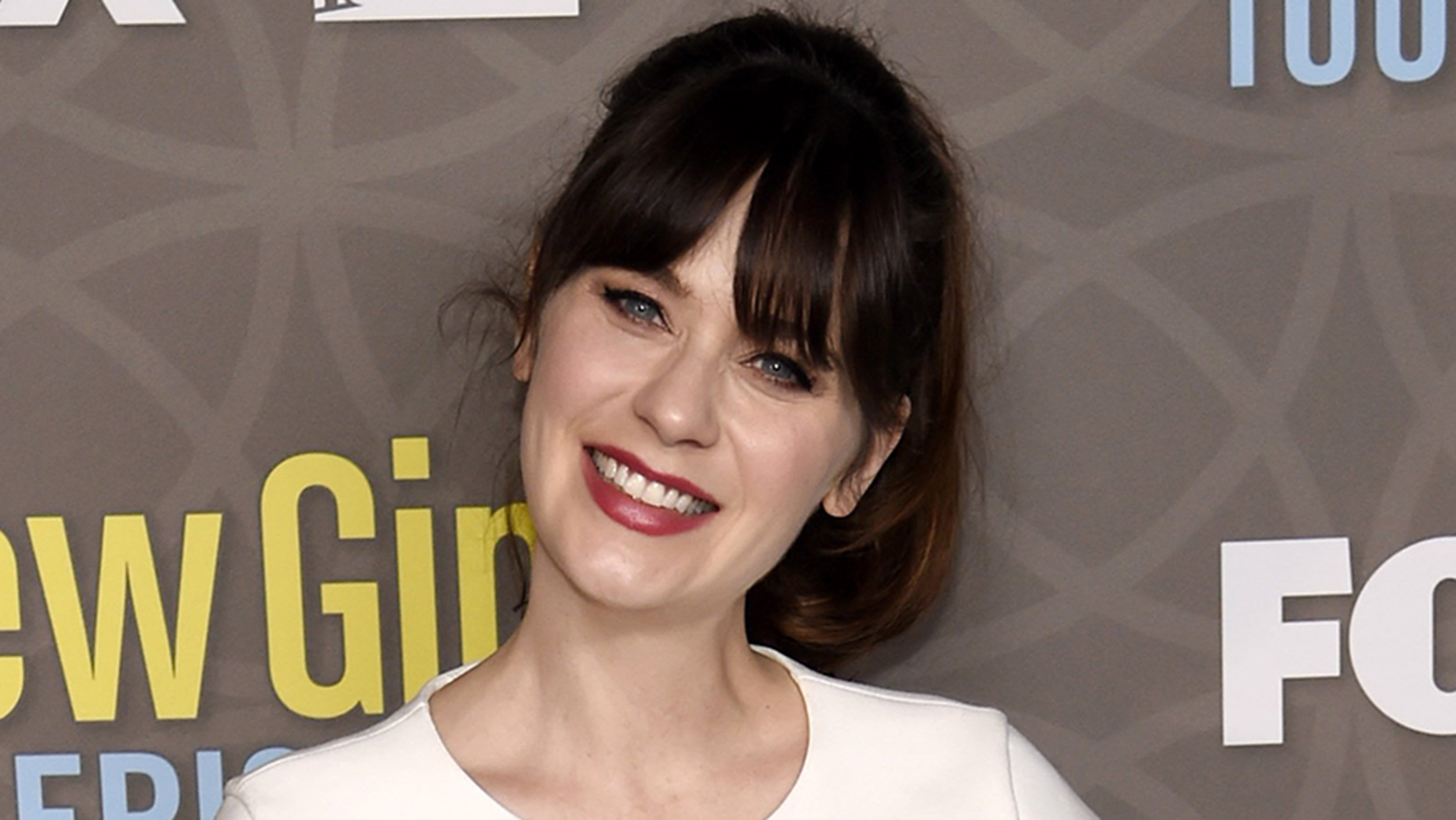 Zooey Deschanel Gigantic Body Double Zooey Deschanel blasts...