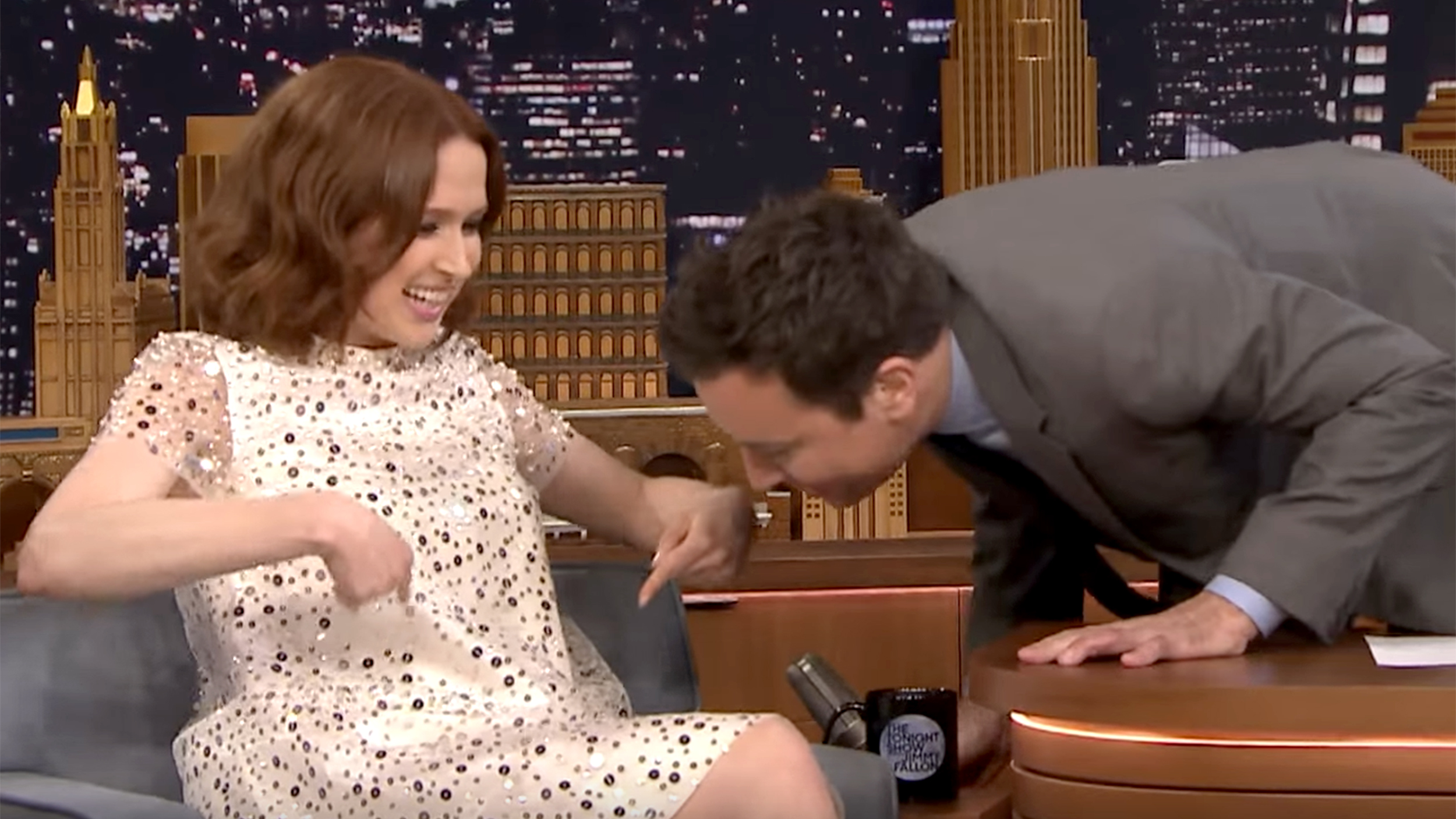 ellie kemper announces she u0026 39 s pregnant with first child on