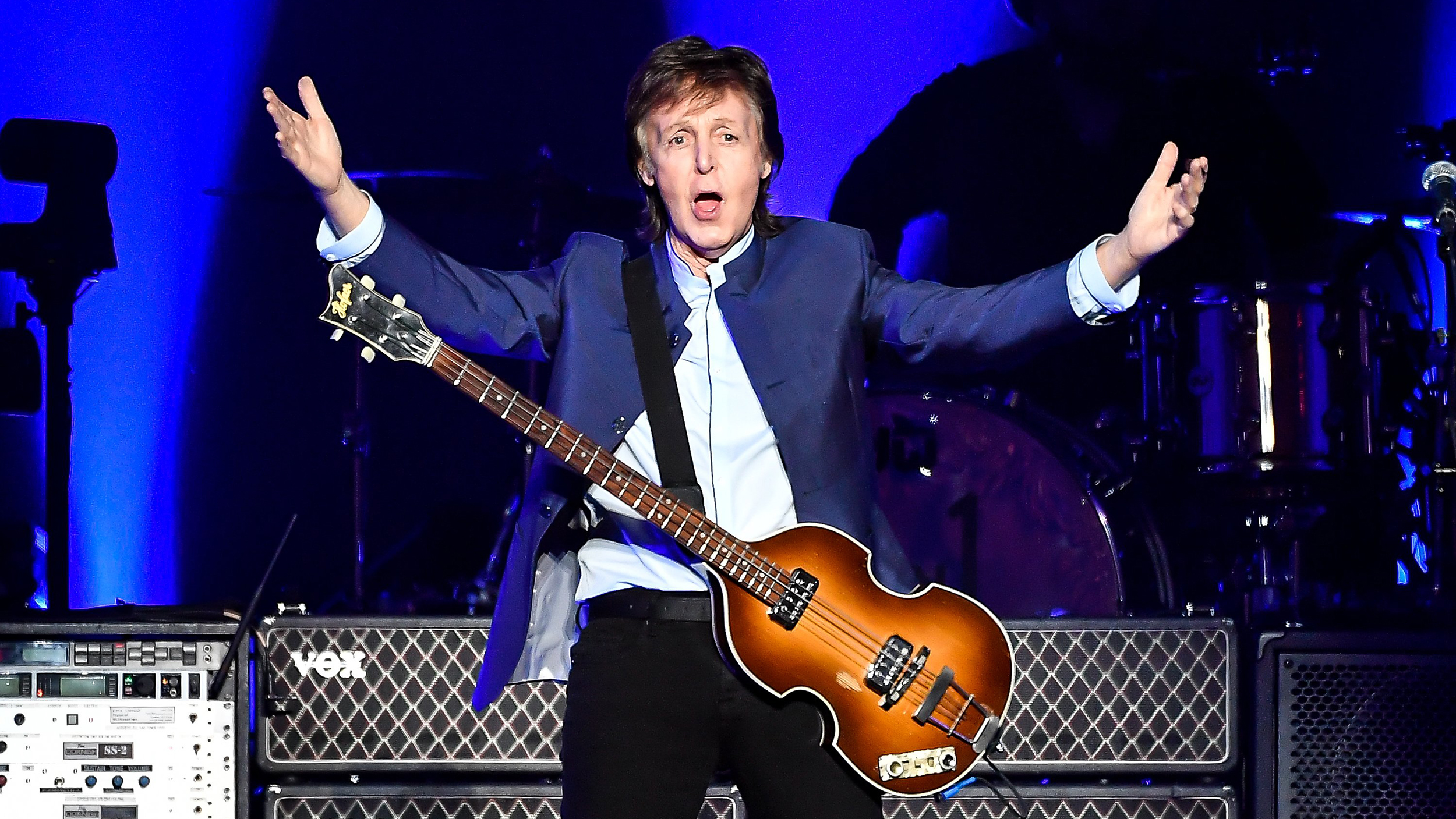 Paul McCartney Plays A Hard Days Night For The First Time In 51 Years