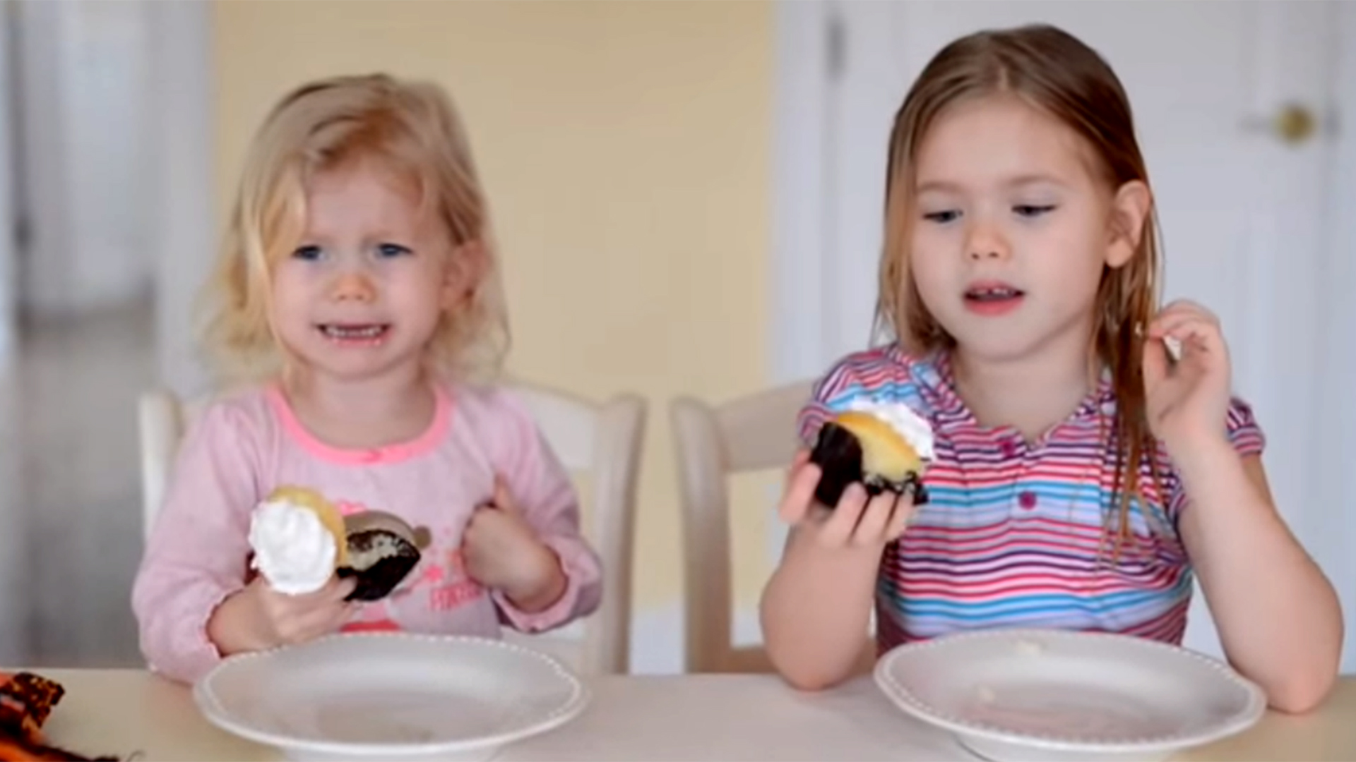 Adorable Little Girl Reacts Hilariously To Gender Reveal -2232