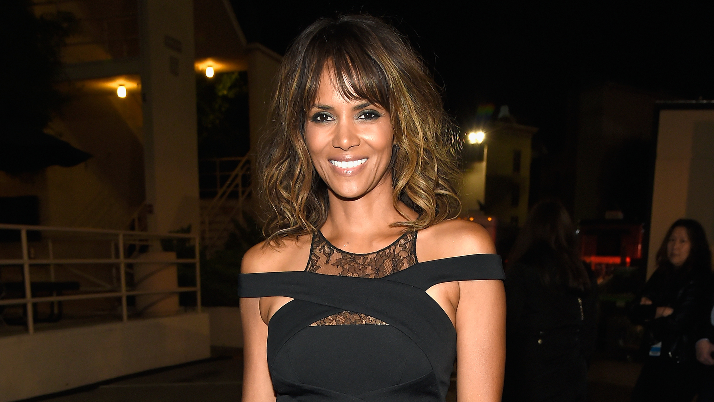 Latest Hair Styles For Boys In 2014 2: Halle Berry's New Short Hairstyle Is A Bowl Cut!