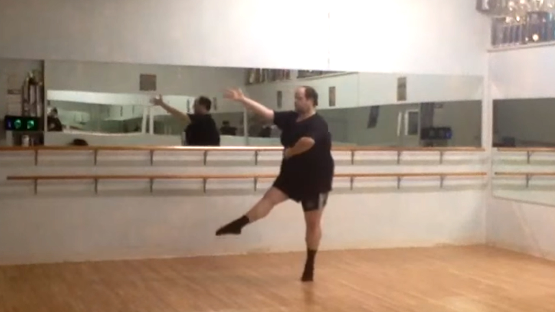 Male ballet dancer defies stereotypes with body-positive ...
