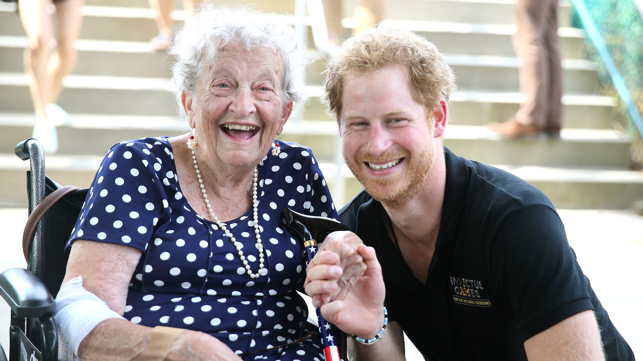 Sweet prince! Harry kisses hand of elderly fan at Invictus Games - TODAY.com