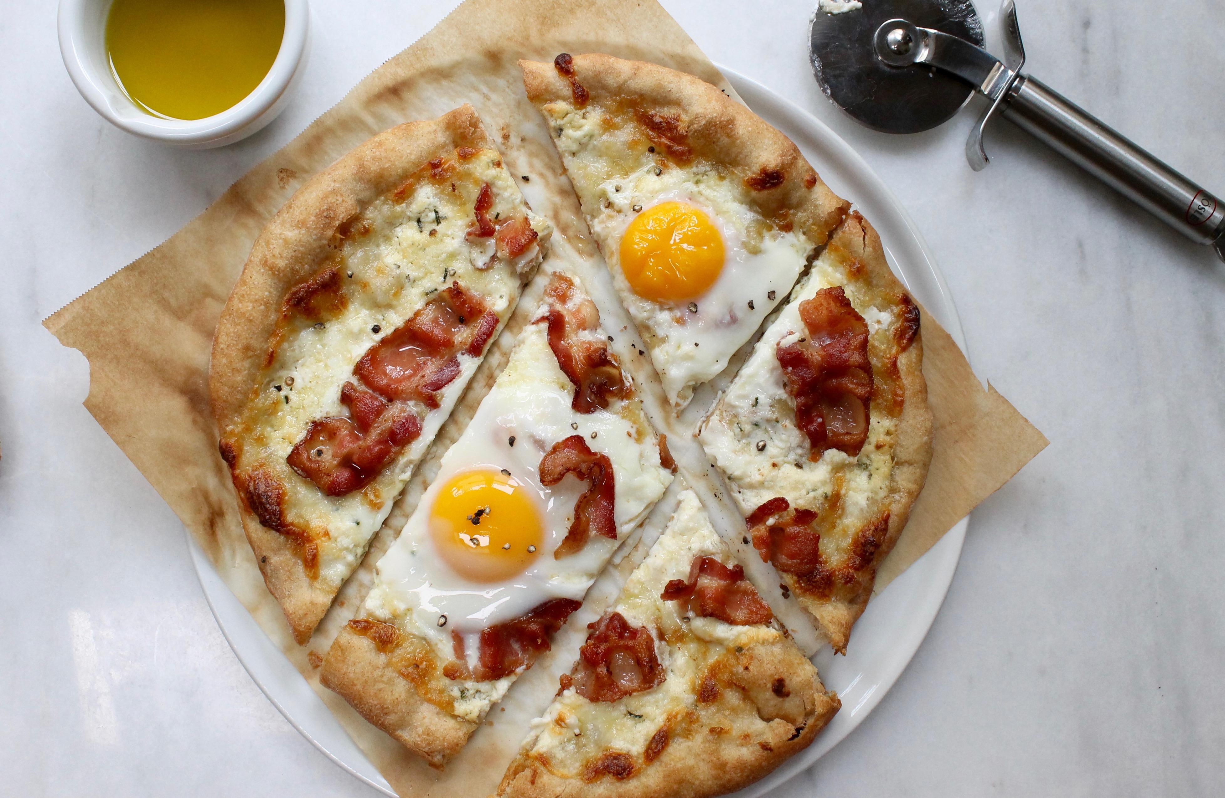 5 ingredient carbonara pizza. Black Bedroom Furniture Sets. Home Design Ideas