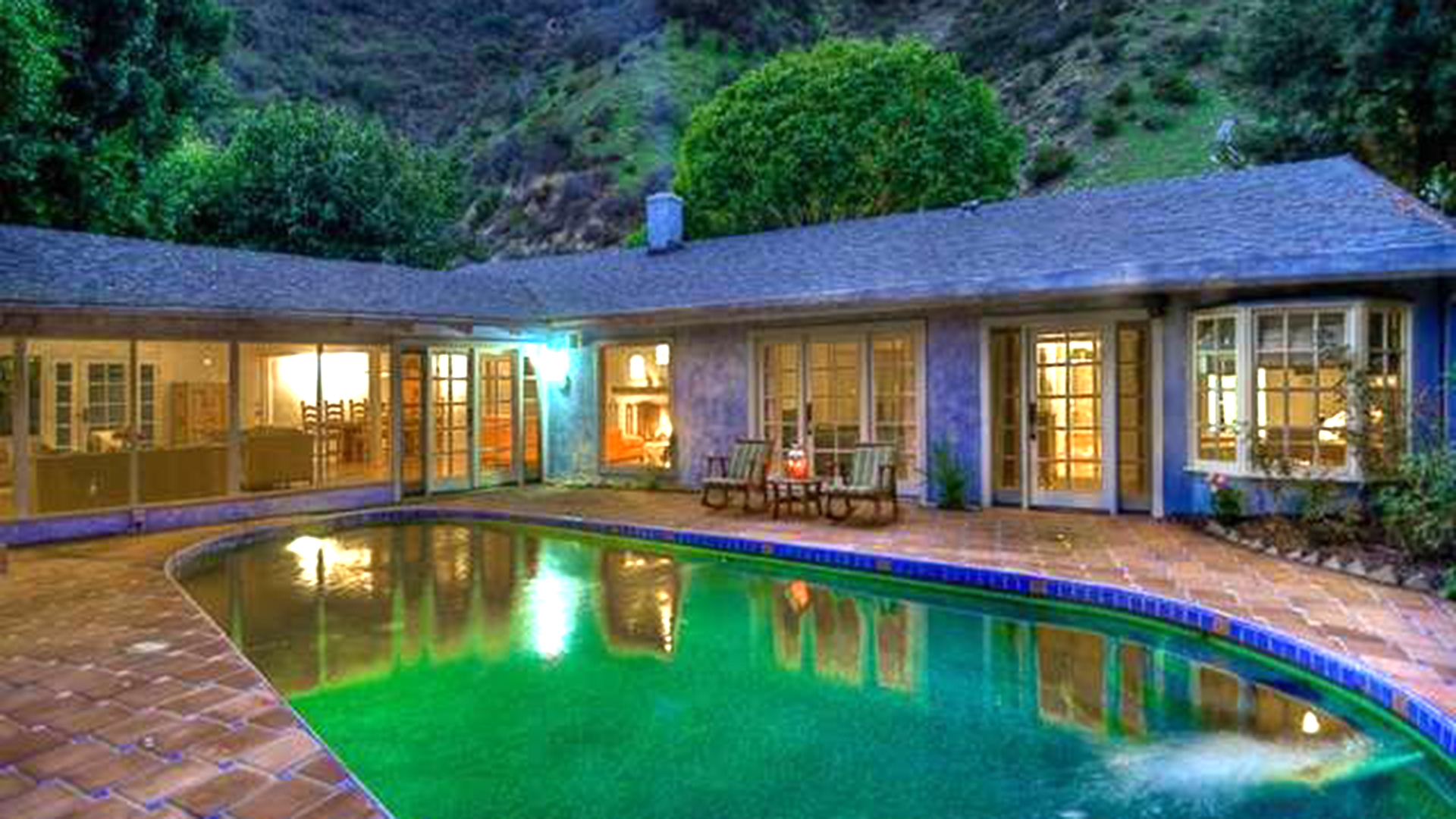 Salma Hayek 39 S Home Is For Rent Take A Tour Inside