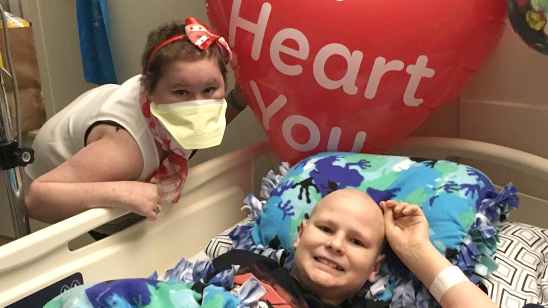 Through Kissing Surgical Fall Patients In Tween Mask Love Cancer